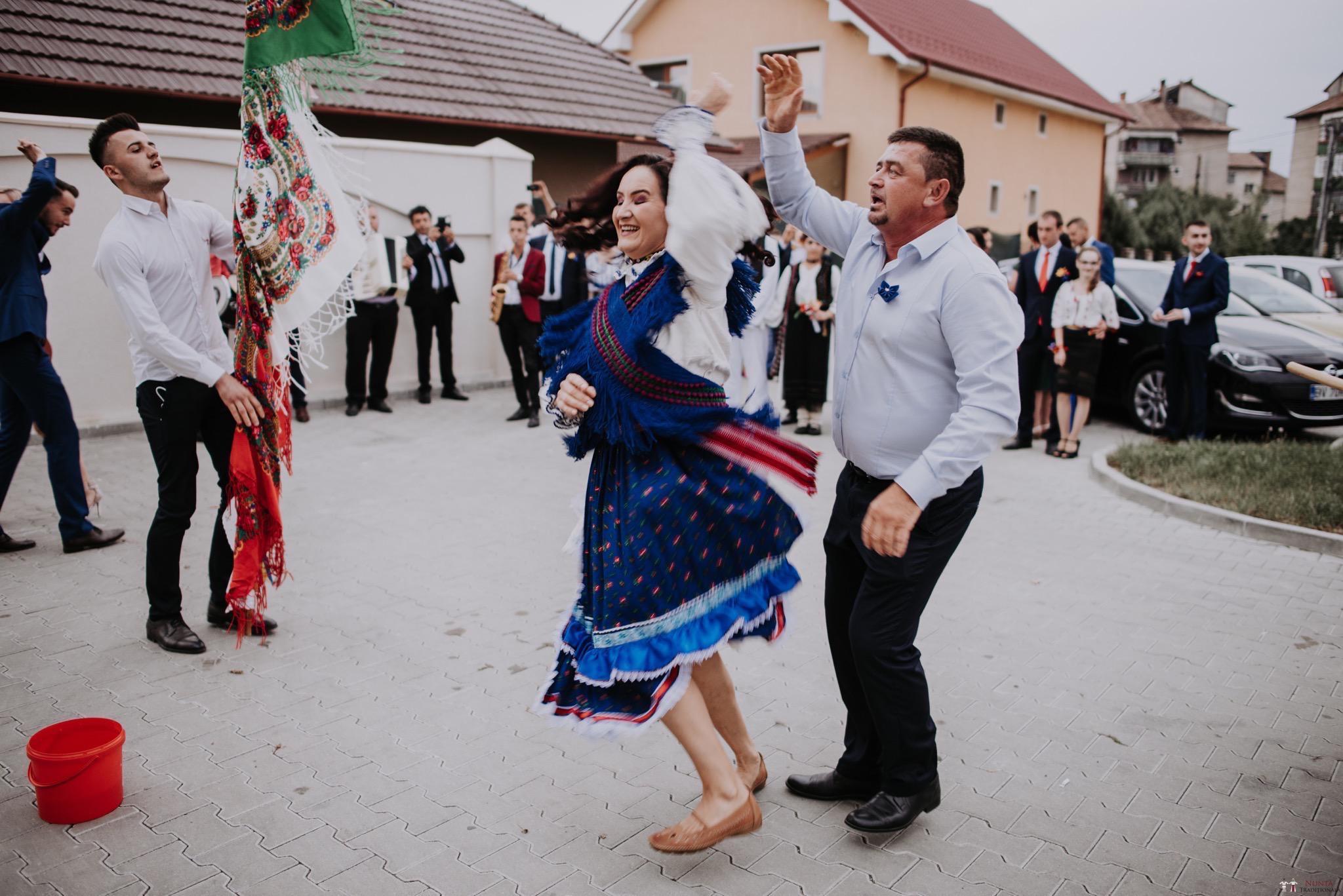 Povești Nunți Tradiționale - Silvia și Adrian. Nuntă tradițională în Ghighișeni, Bihor 65