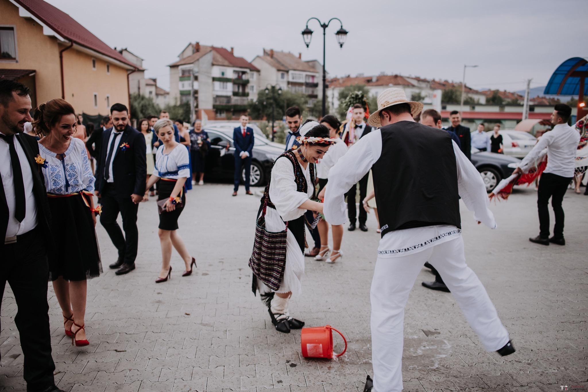 Povești Nunți Tradiționale - Silvia și Adrian. Nuntă tradițională în Ghighișeni, Bihor 66