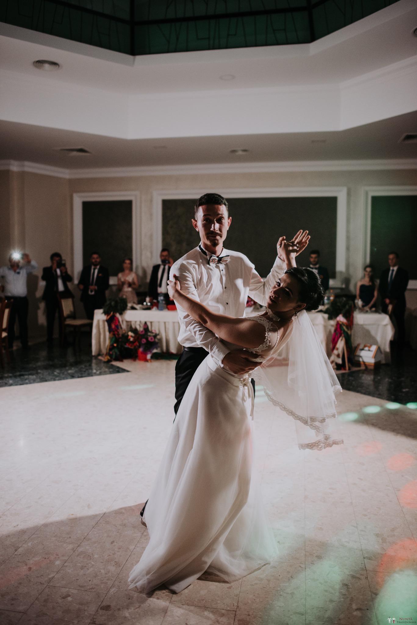 Povești Nunți Tradiționale - Silvia și Adrian. Nuntă tradițională în Ghighișeni, Bihor 67