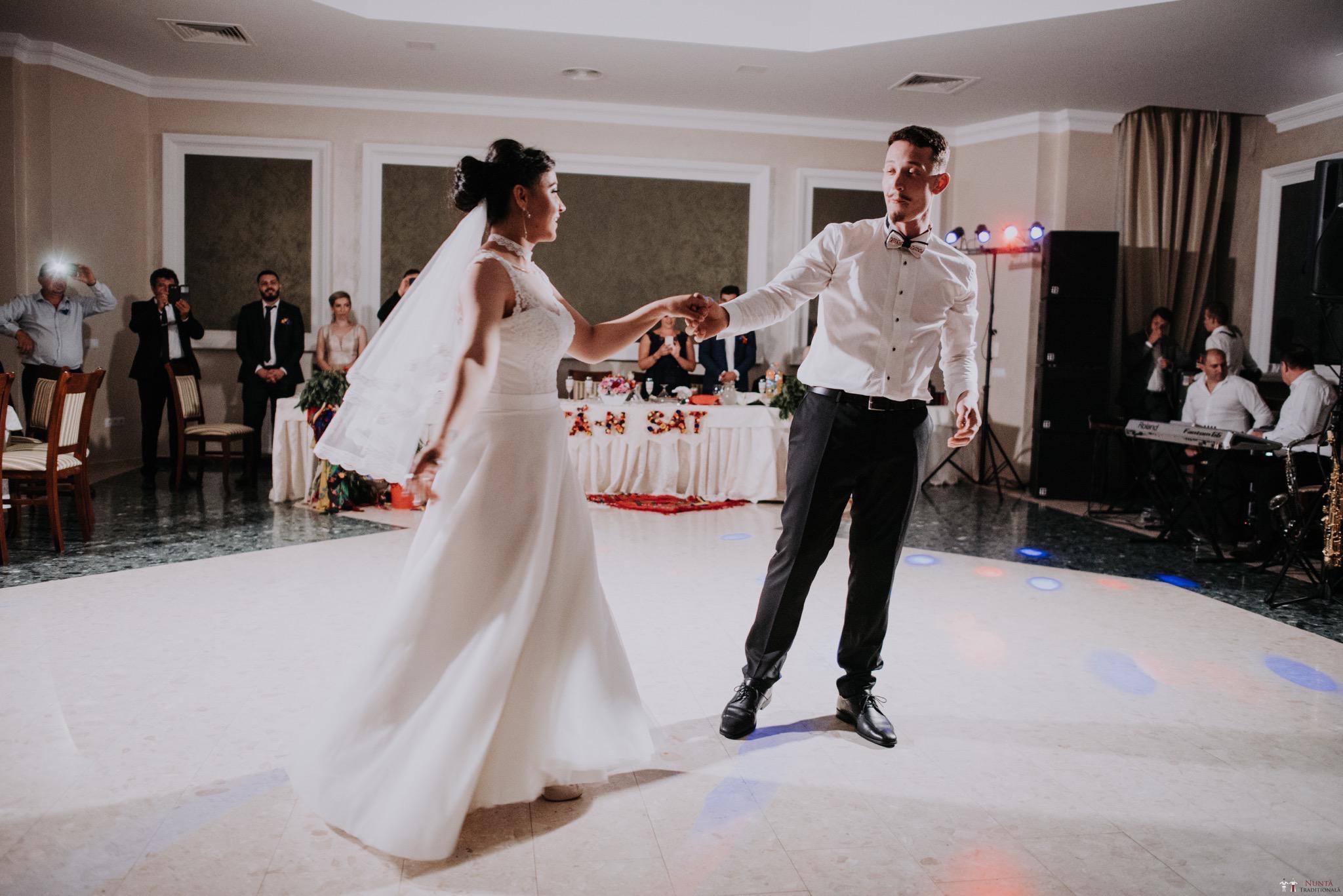 Povești Nunți Tradiționale - Silvia și Adrian. Nuntă tradițională în Ghighișeni, Bihor 68
