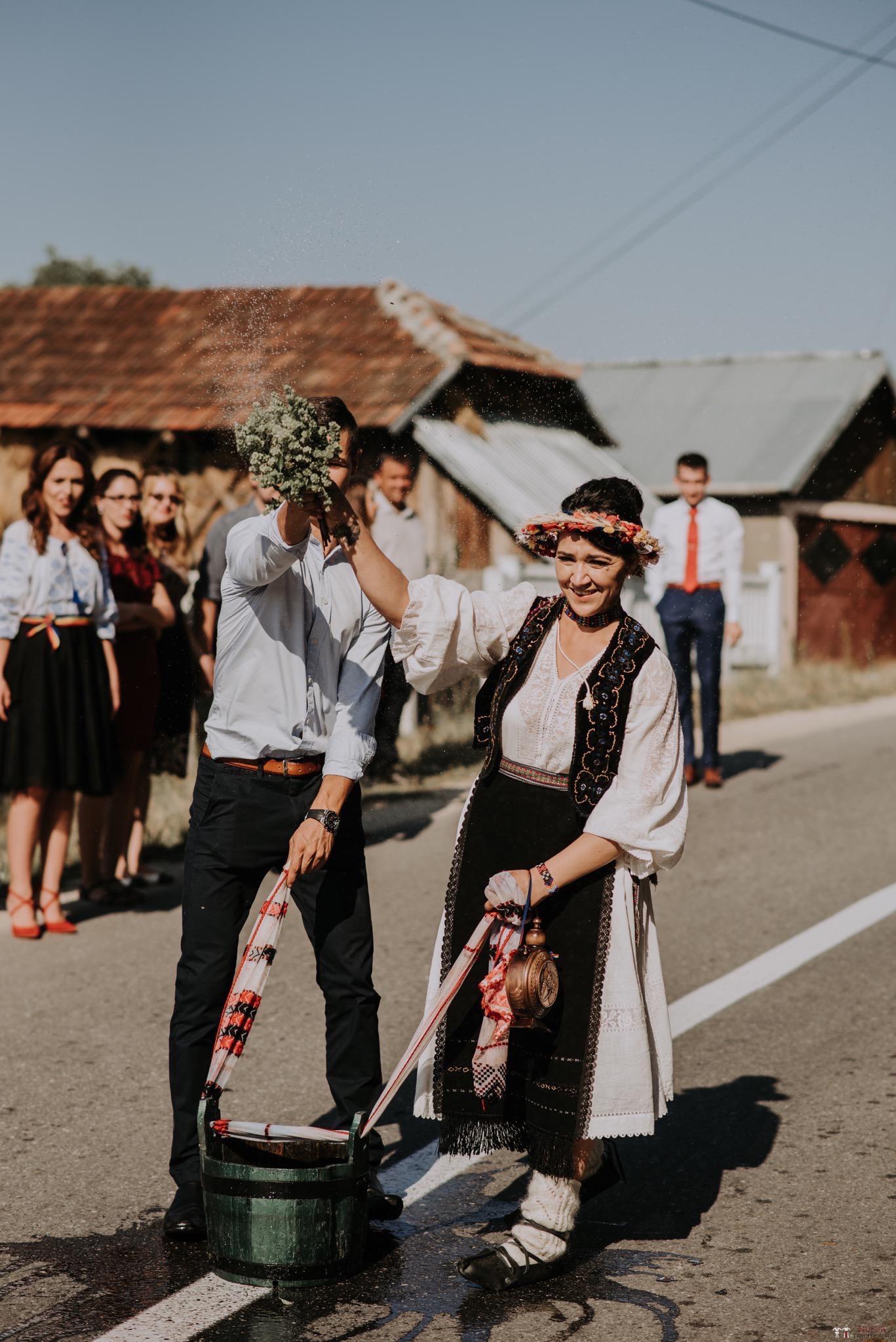 Povești Nunți Tradiționale - Silvia și Adrian. Nuntă tradițională în Ghighișeni, Bihor 80