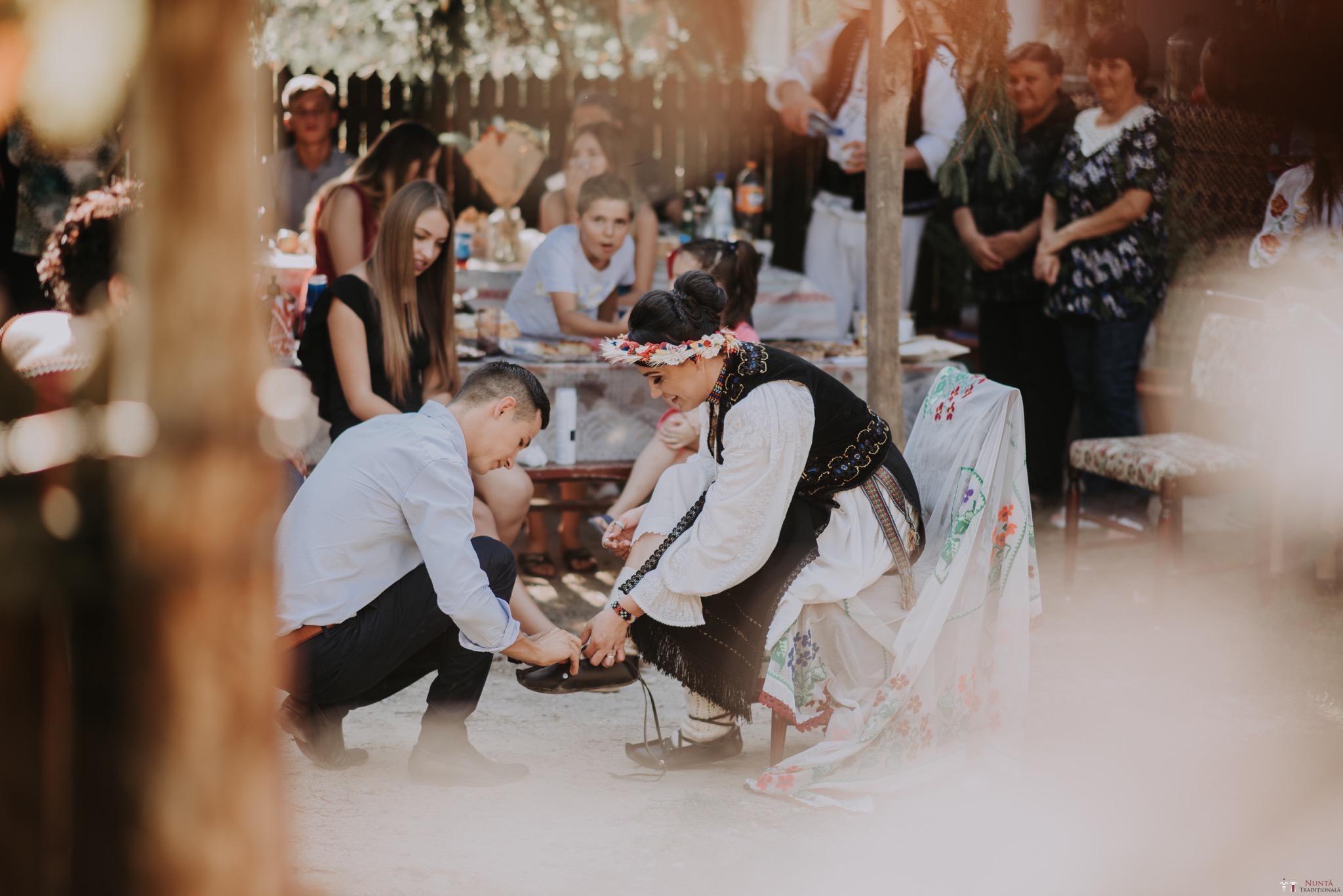 Povești Nunți Tradiționale - Silvia și Adrian. Nuntă tradițională în Ghighișeni, Bihor 83