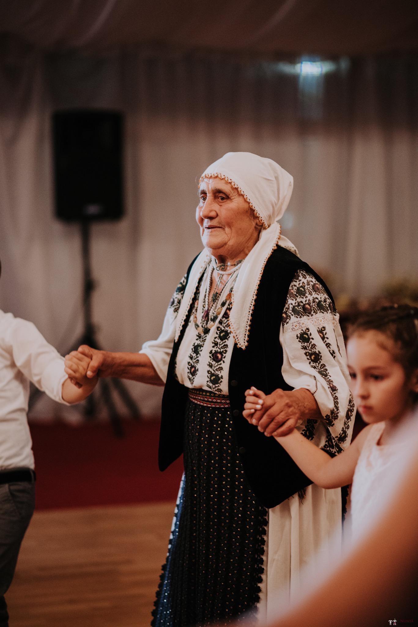 Povești Nunți Tradiționale - Silvia și Adrian. Nuntă tradițională în Ghighișeni, Bihor 103