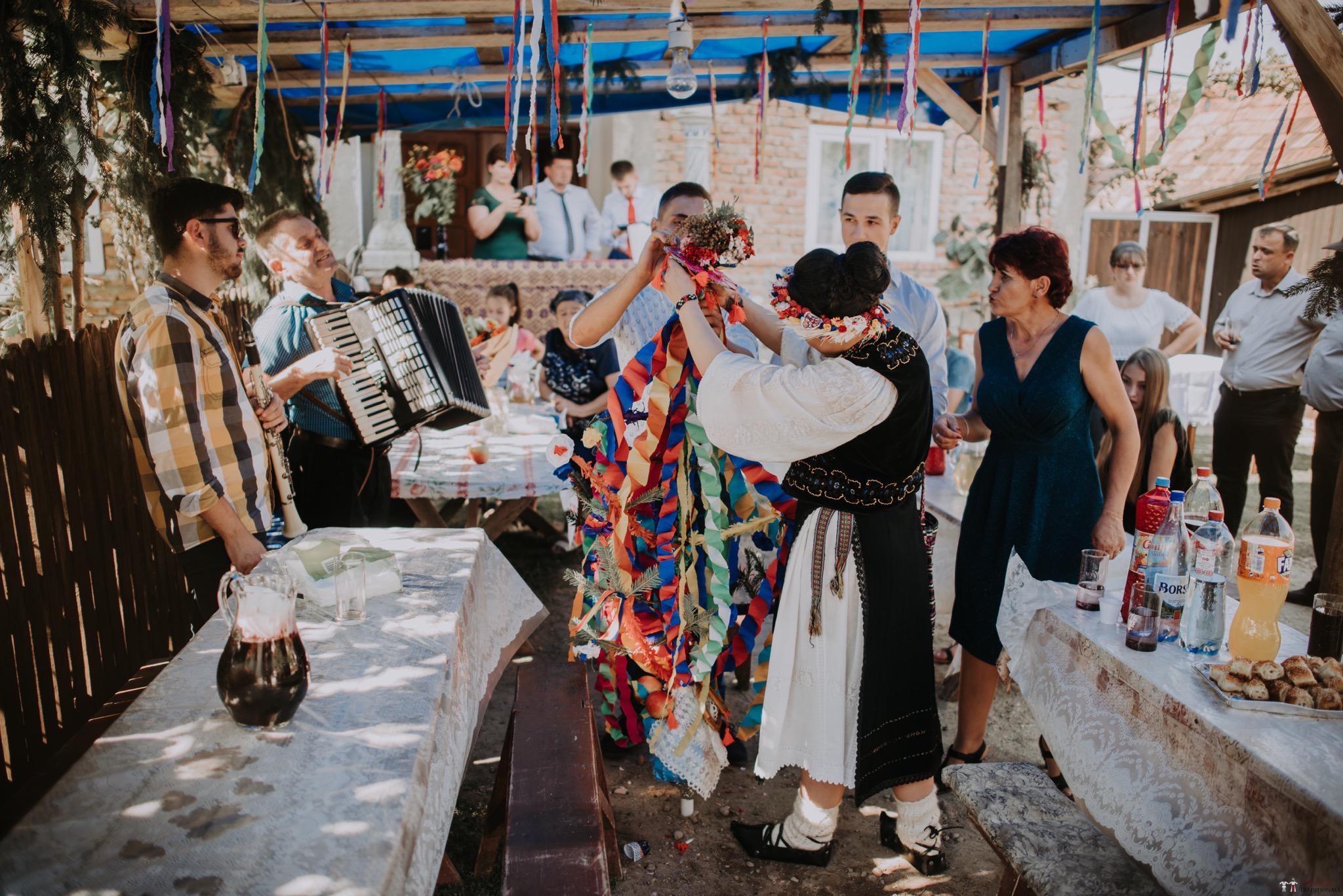 Povești Nunți Tradiționale - Silvia și Adrian. Nuntă tradițională în Ghighișeni, Bihor 74