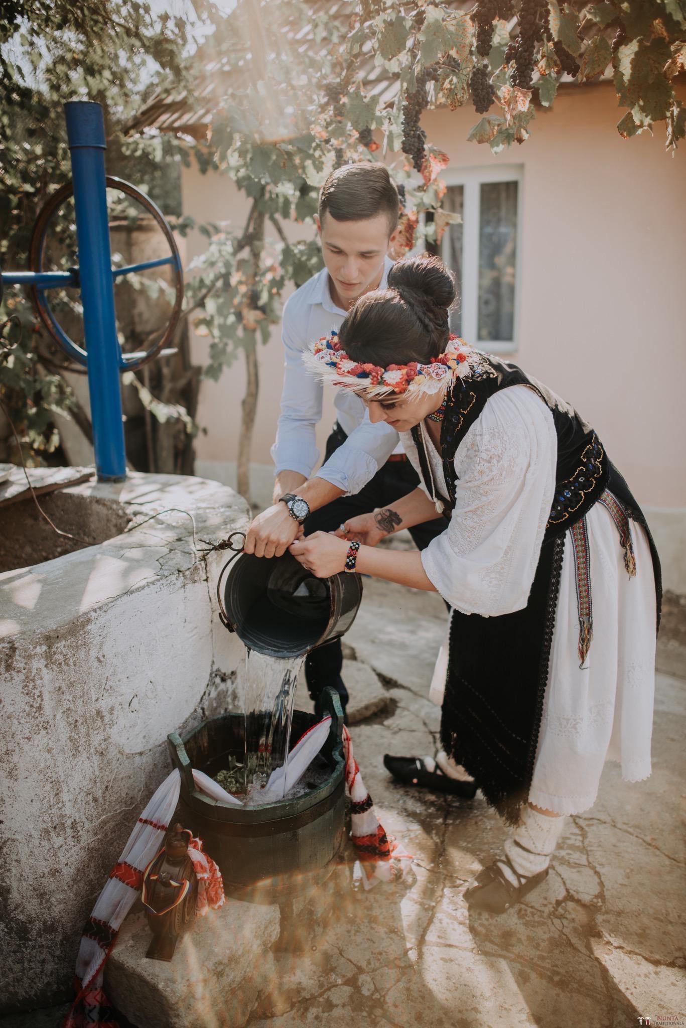 Povești Nunți Tradiționale - Silvia și Adrian. Nuntă tradițională în Ghighișeni, Bihor 76