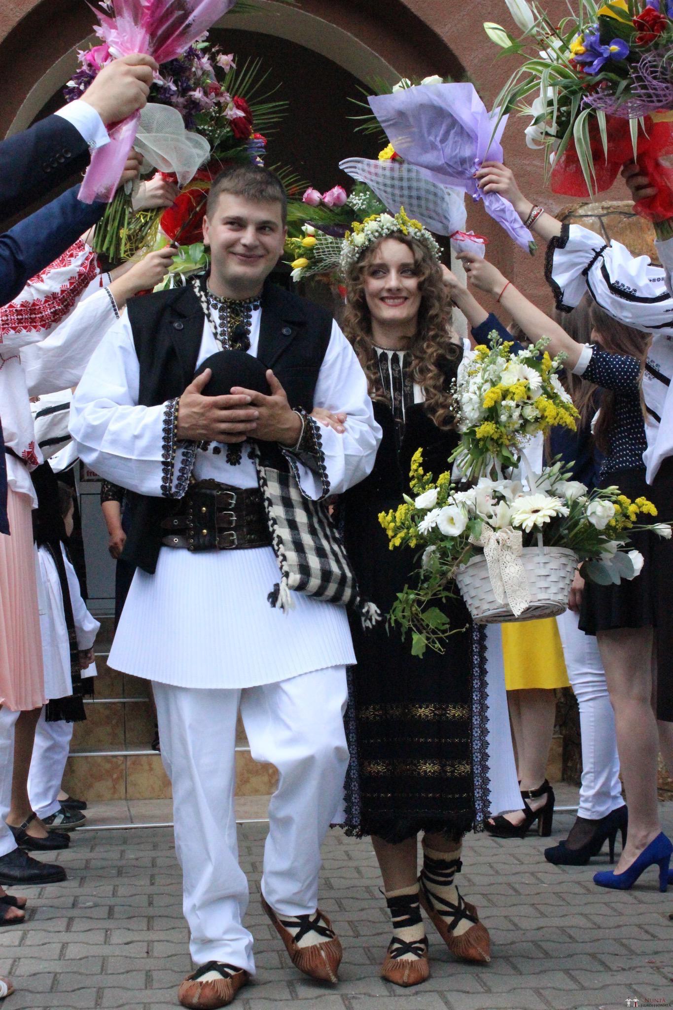 Povești Nunți Tradiționale - Constantin și Simona-Marilena. Nuntă tradițională în Căpâlna, Alba 10
