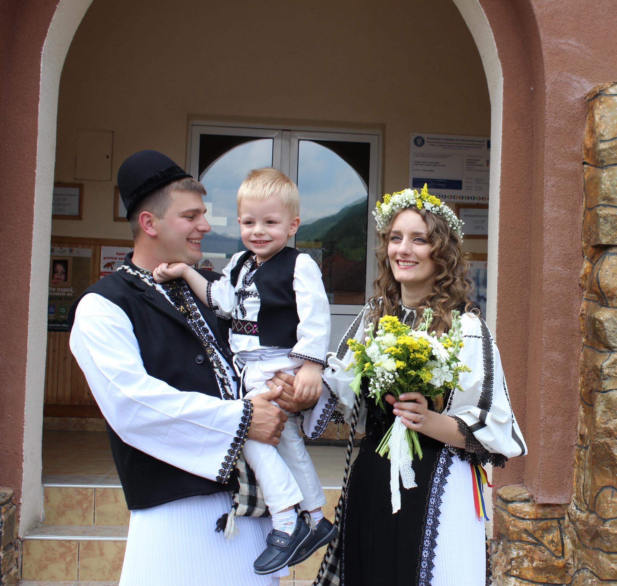 Povești Nunți Tradiționale - Constantin și Simona-Marilena. Nuntă tradițională în Căpâlna, Alba 12
