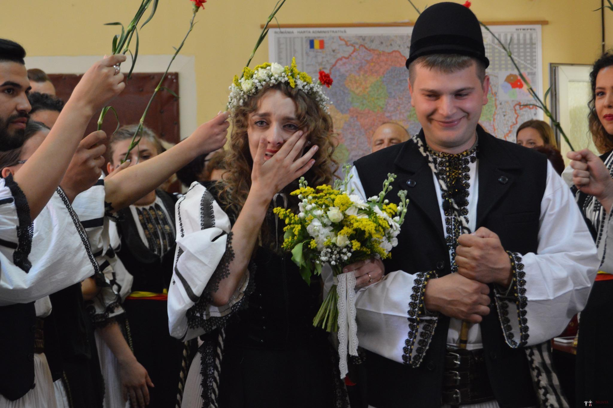 Povești Nunți Tradiționale - Constantin și Simona-Marilena. Nuntă tradițională în Căpâlna, Alba 1