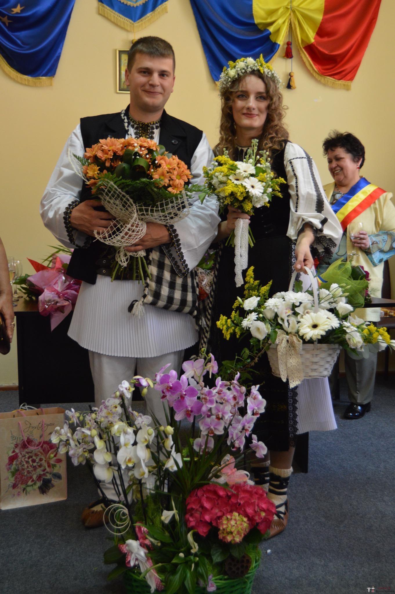 Povești Nunți Tradiționale - Constantin și Simona-Marilena. Nuntă tradițională în Căpâlna, Alba 21