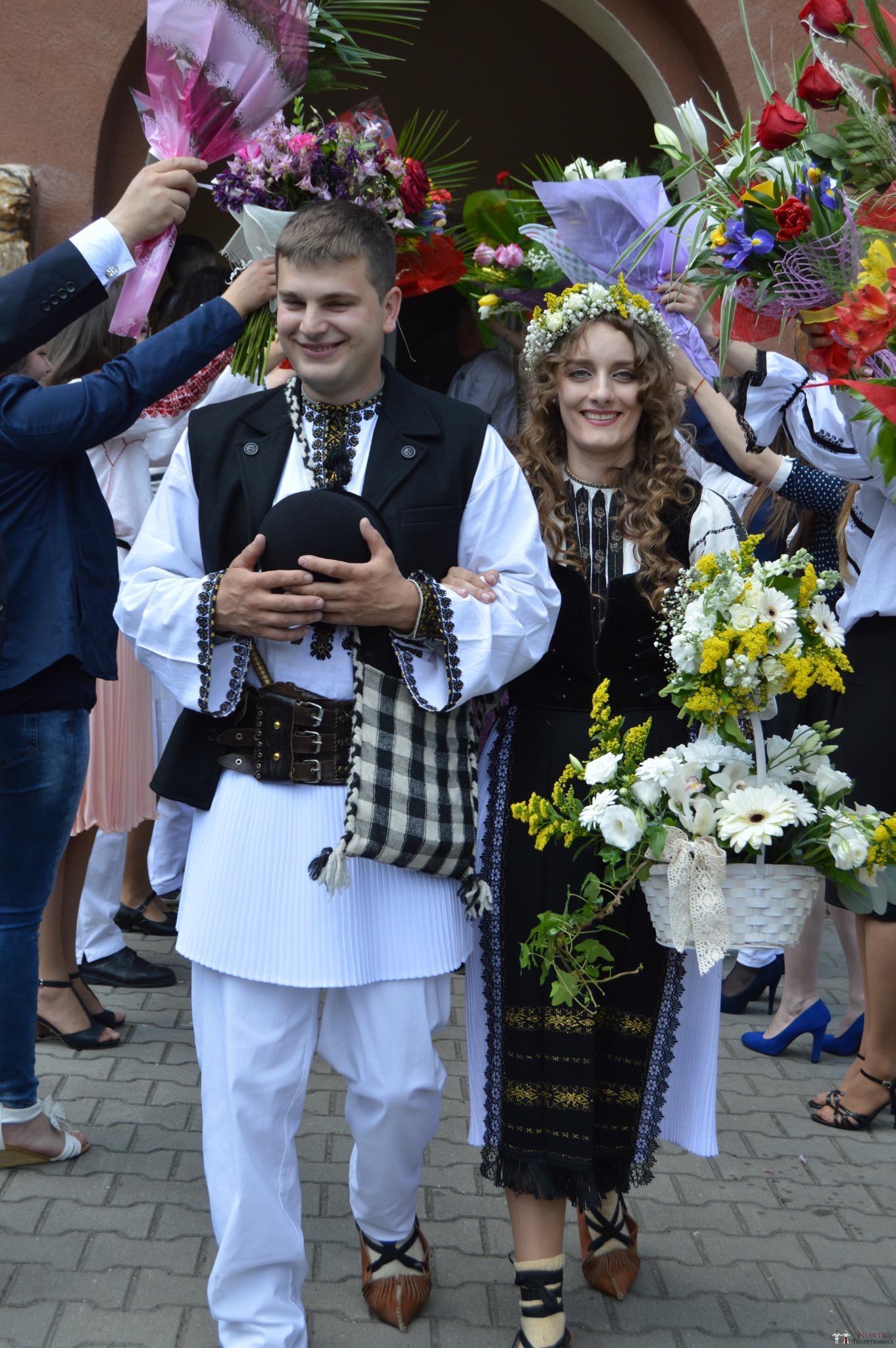 Povești Nunți Tradiționale - Constantin și Simona-Marilena. Nuntă tradițională în Căpâlna, Alba 22