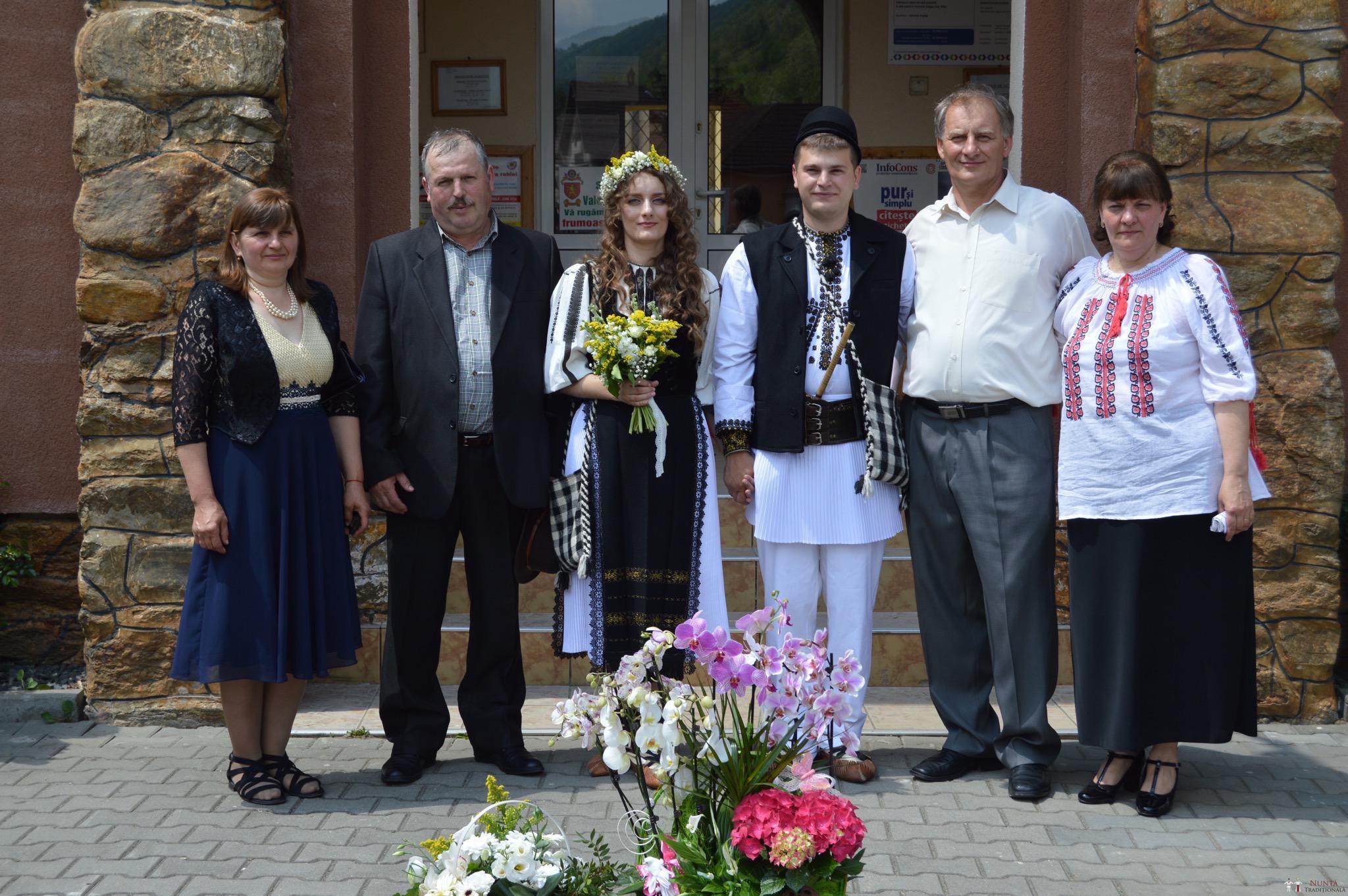 Povești Nunți Tradiționale - Constantin și Simona-Marilena. Nuntă tradițională în Căpâlna, Alba 54