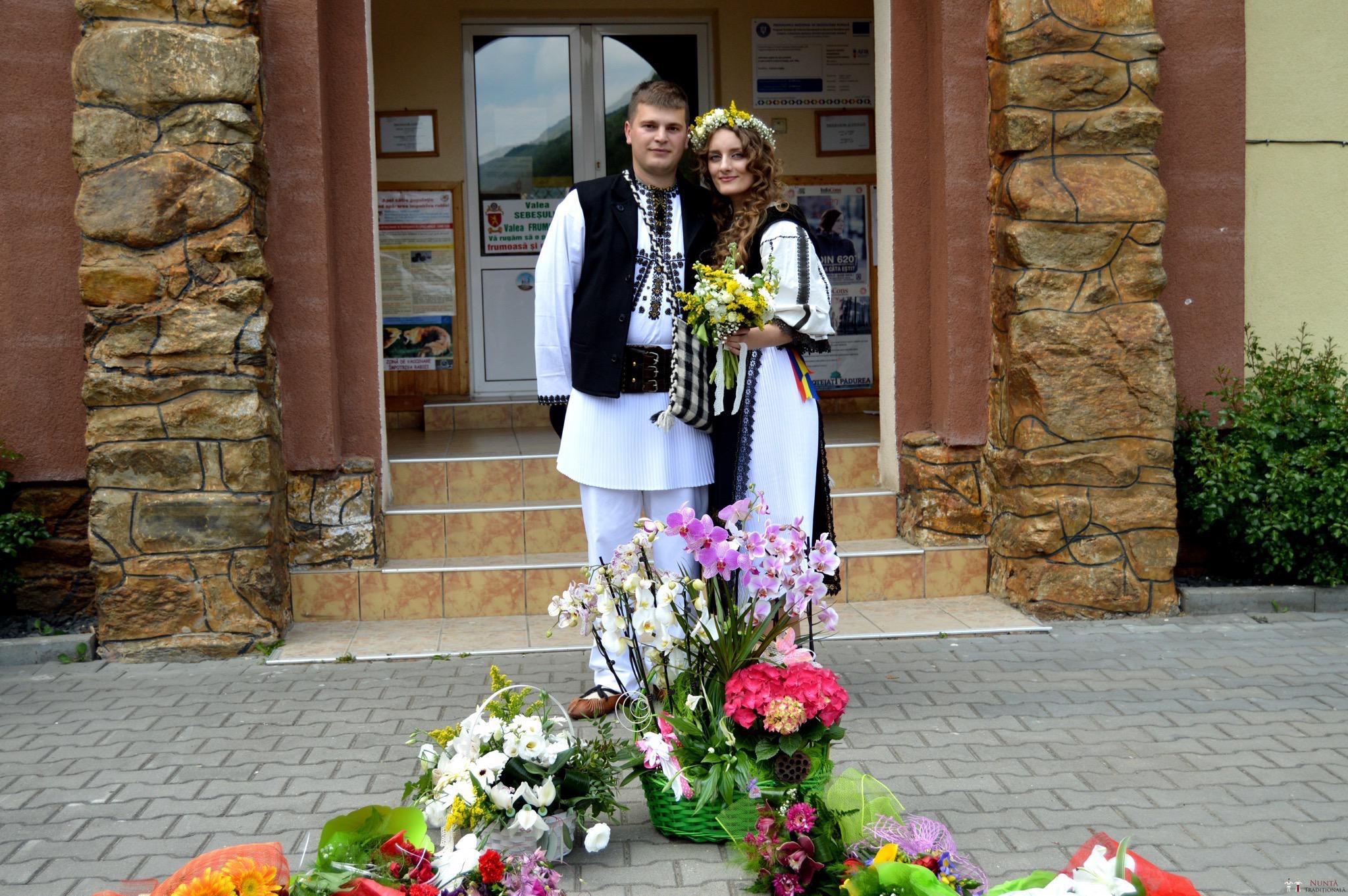 Povești Nunți Tradiționale - Constantin și Simona-Marilena. Nuntă tradițională în Căpâlna, Alba 3