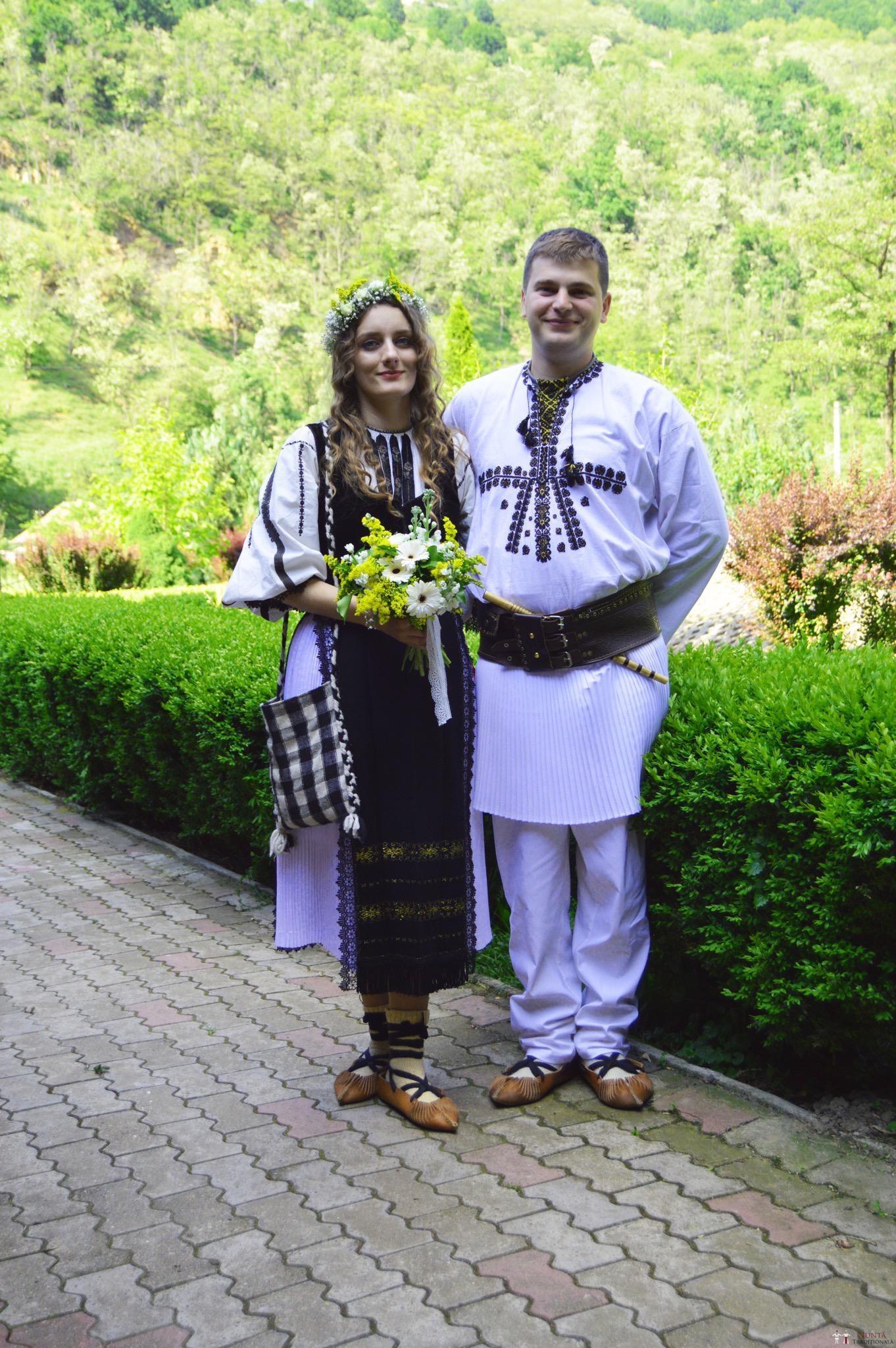 Povești Nunți Tradiționale - Constantin și Simona-Marilena. Nuntă tradițională în Căpâlna, Alba 4