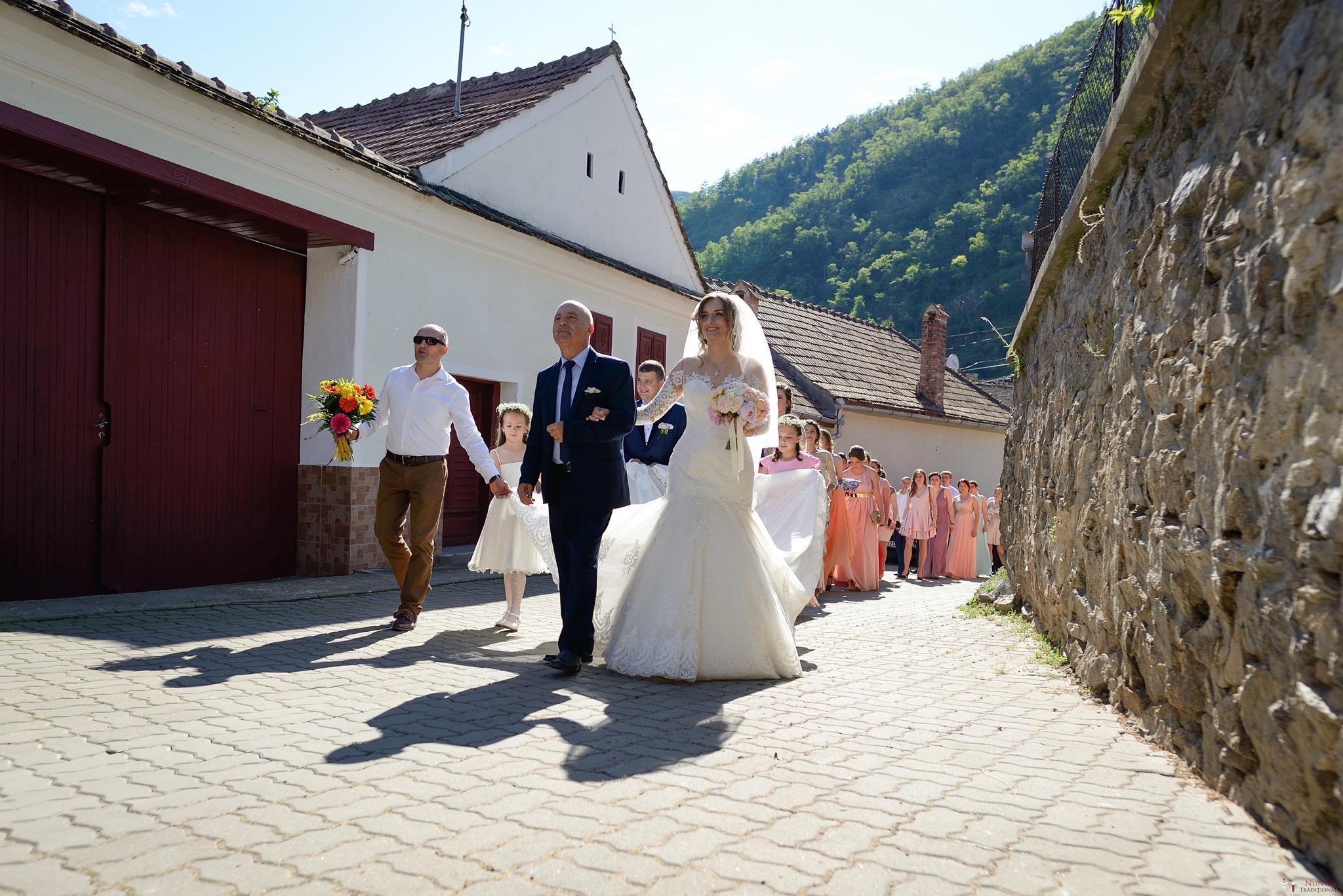 Povești Nunți Tradiționale - Constantin și Simona-Marilena. Nuntă tradițională în Căpâlna, Alba 37