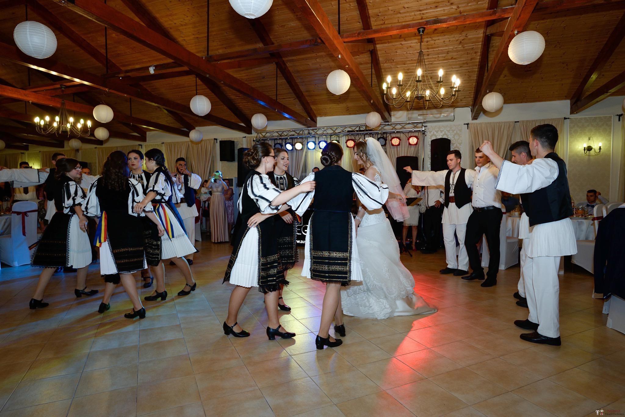Povești Nunți Tradiționale - Constantin și Simona-Marilena. Nuntă tradițională în Căpâlna, Alba 56