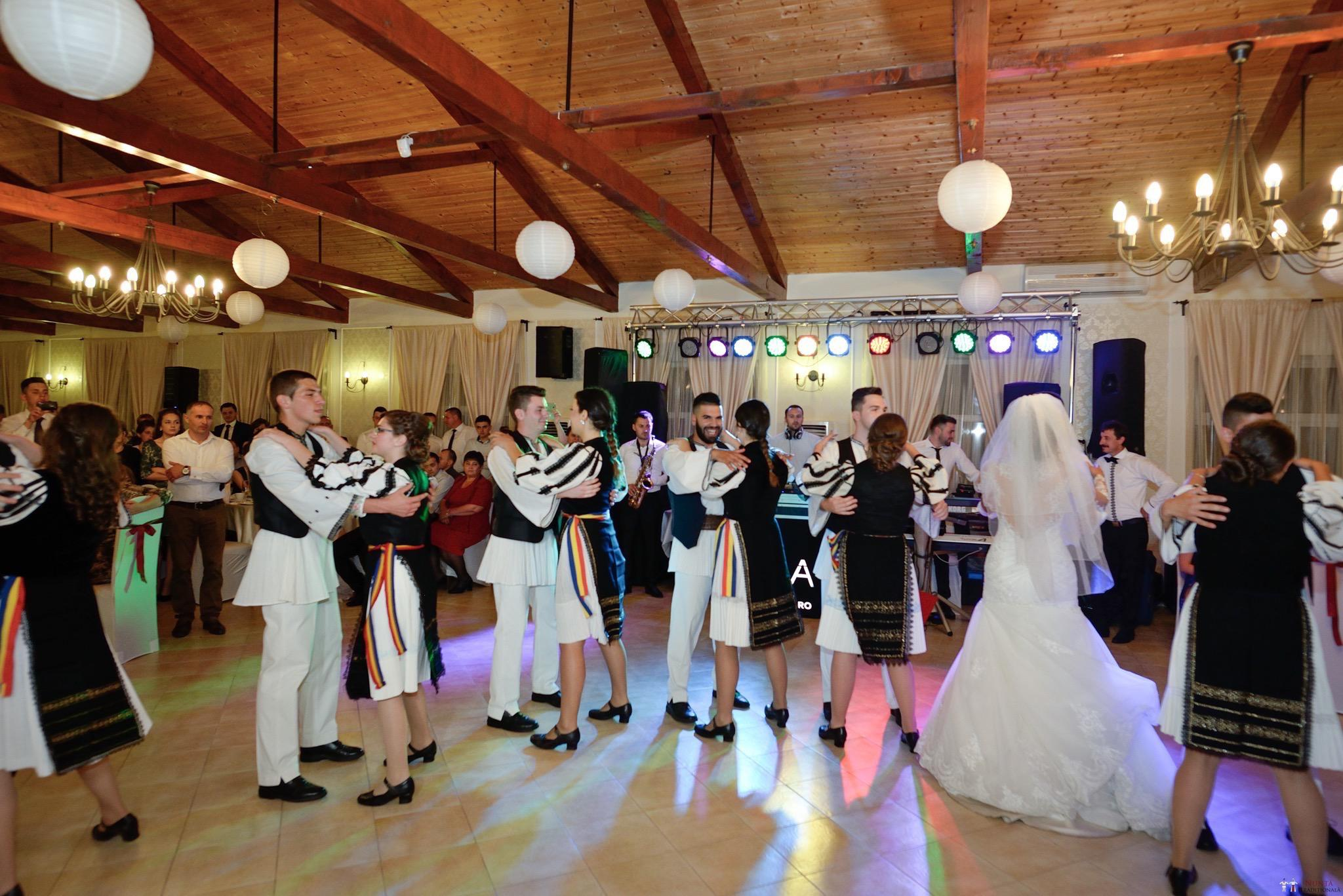 Povești Nunți Tradiționale - Constantin și Simona-Marilena. Nuntă tradițională în Căpâlna, Alba 57
