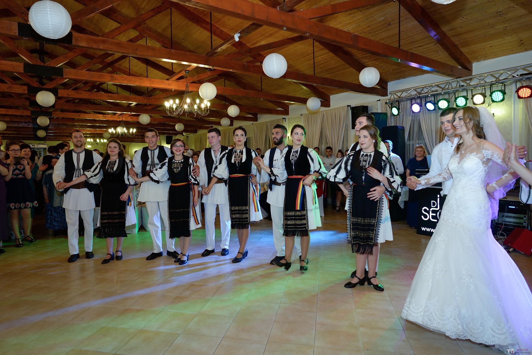 Povești Nunți Tradiționale - Constantin și Simona-Marilena. Nuntă tradițională în Căpâlna, Alba 58