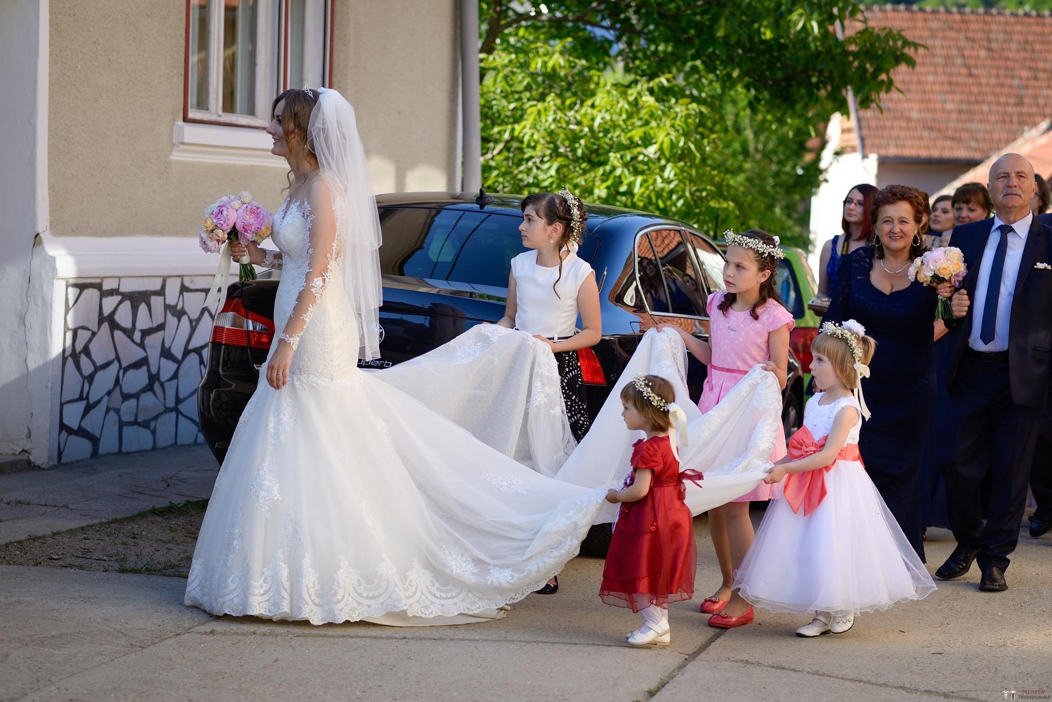 Povești Nunți Tradiționale - Constantin și Simona-Marilena. Nuntă tradițională în Căpâlna, Alba 45