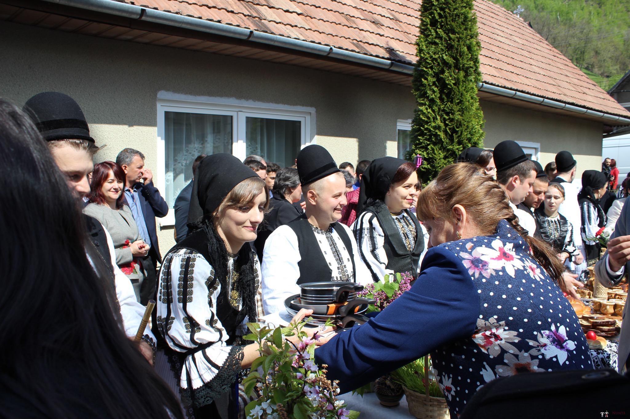 Povești Nunți Tradiționale - Constantin și Simona-Marilena. Nuntă tradițională în Căpâlna, Alba 87