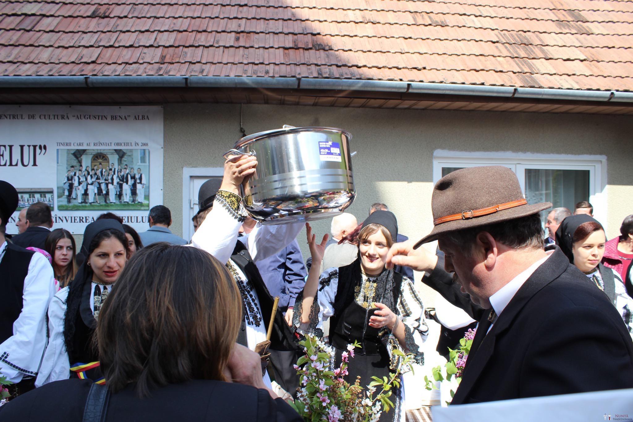 Povești Nunți Tradiționale - Constantin și Simona-Marilena. Nuntă tradițională în Căpâlna, Alba 88