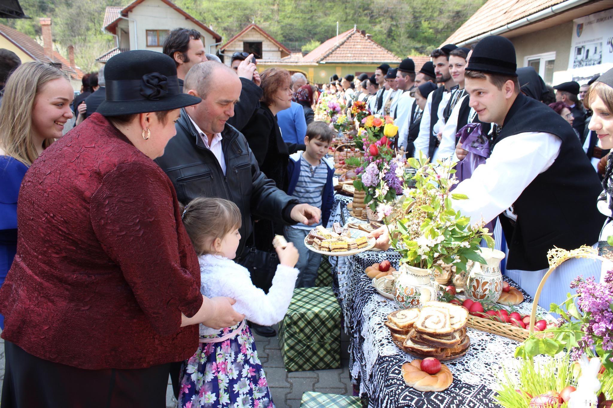 Povești Nunți Tradiționale - Constantin și Simona-Marilena. Nuntă tradițională în Căpâlna, Alba 90