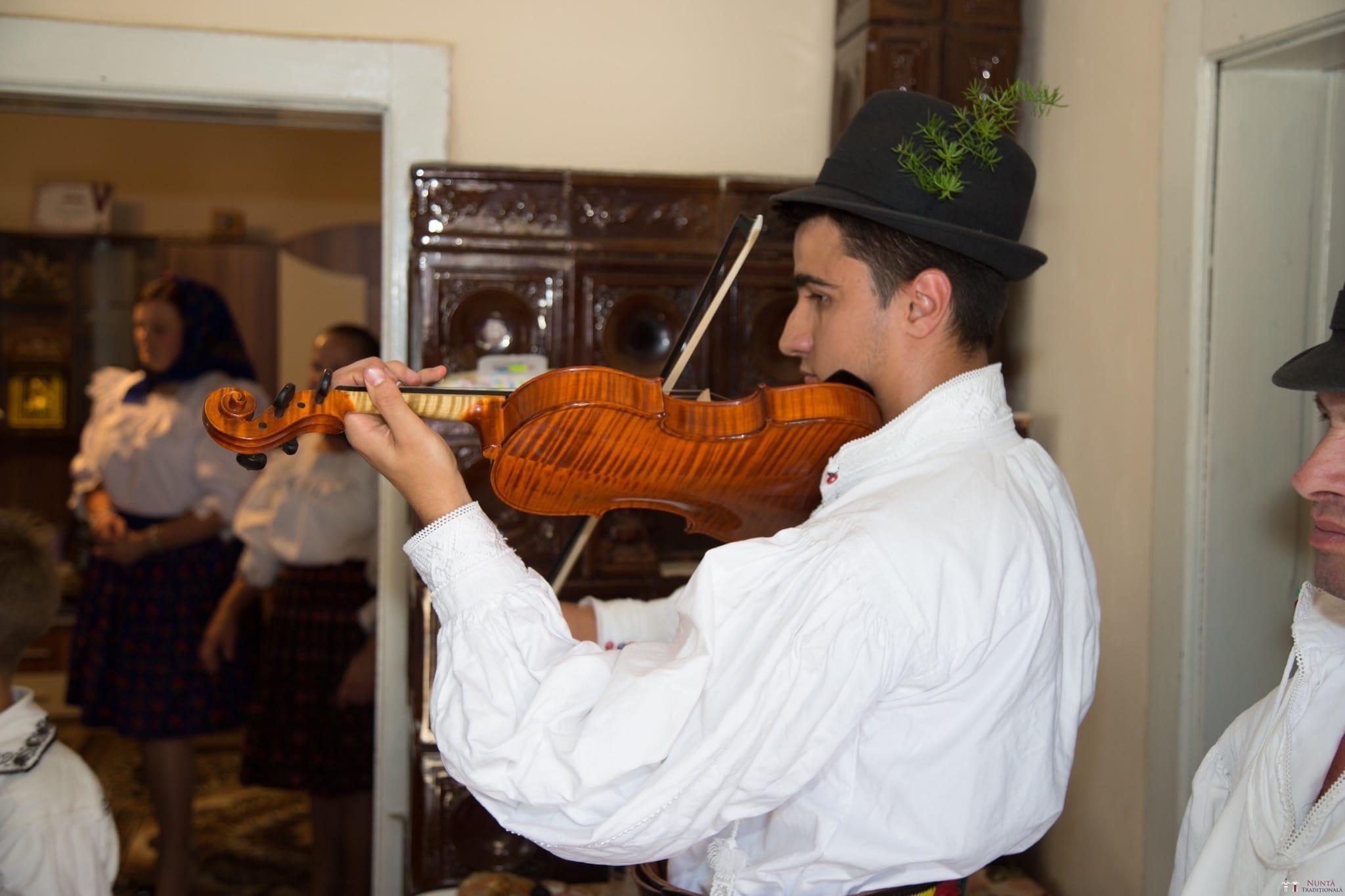 Povești Nunți Tradiționale - Ancuța și Nicu, cununie tradițională în Giulești, Maramureș 8