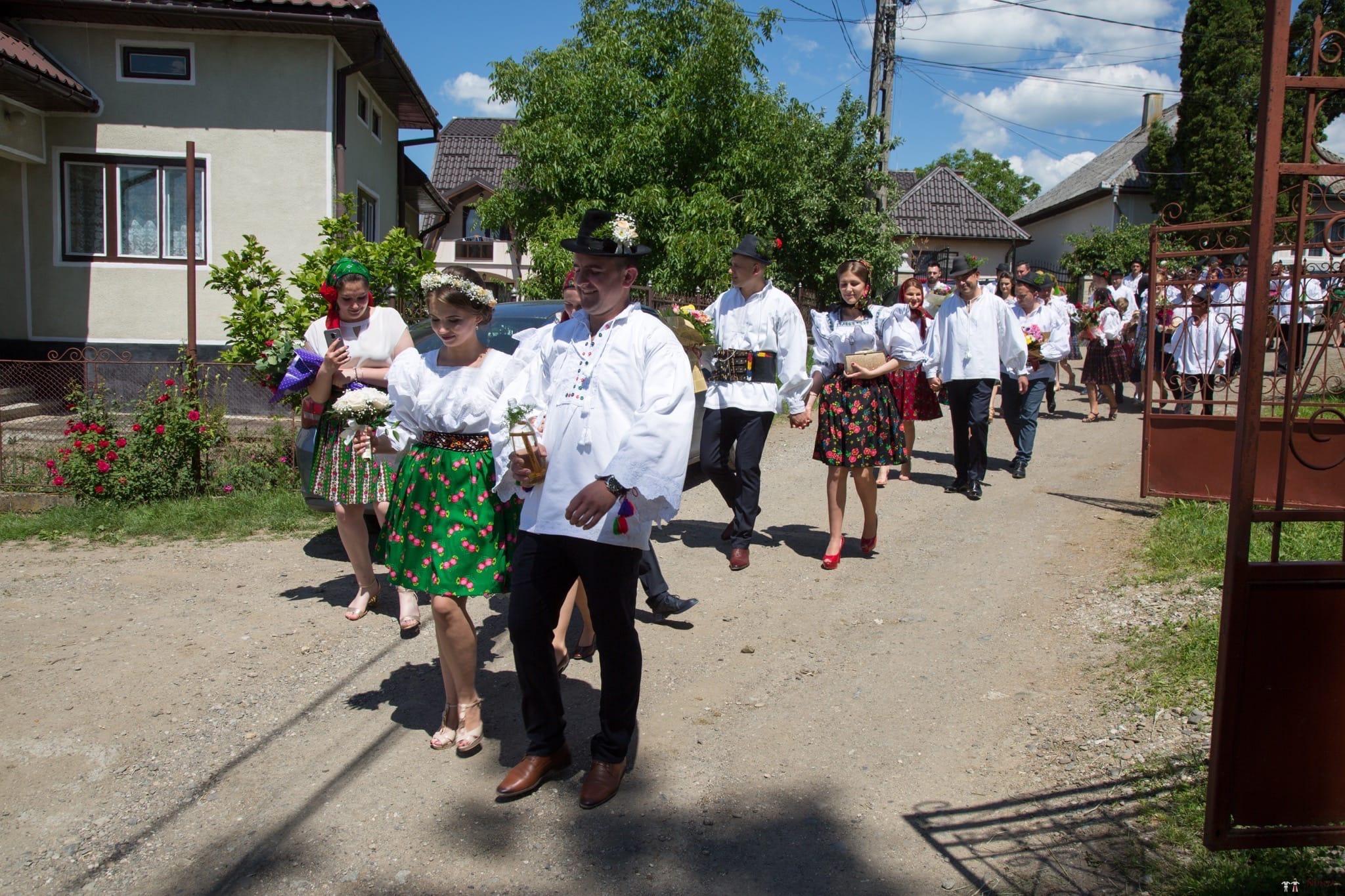 Povești Nunți Tradiționale - Ancuța și Nicu, cununie tradițională în Giulești, Maramureș 14