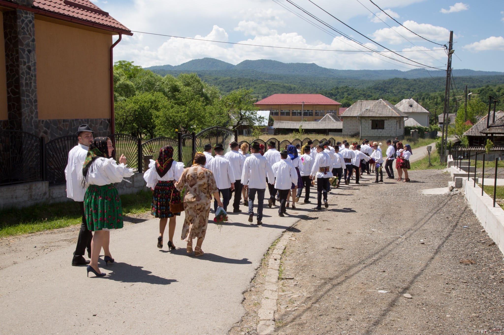 Povești Nunți Tradiționale - Ancuța și Nicu, cununie tradițională în Giulești, Maramureș 15