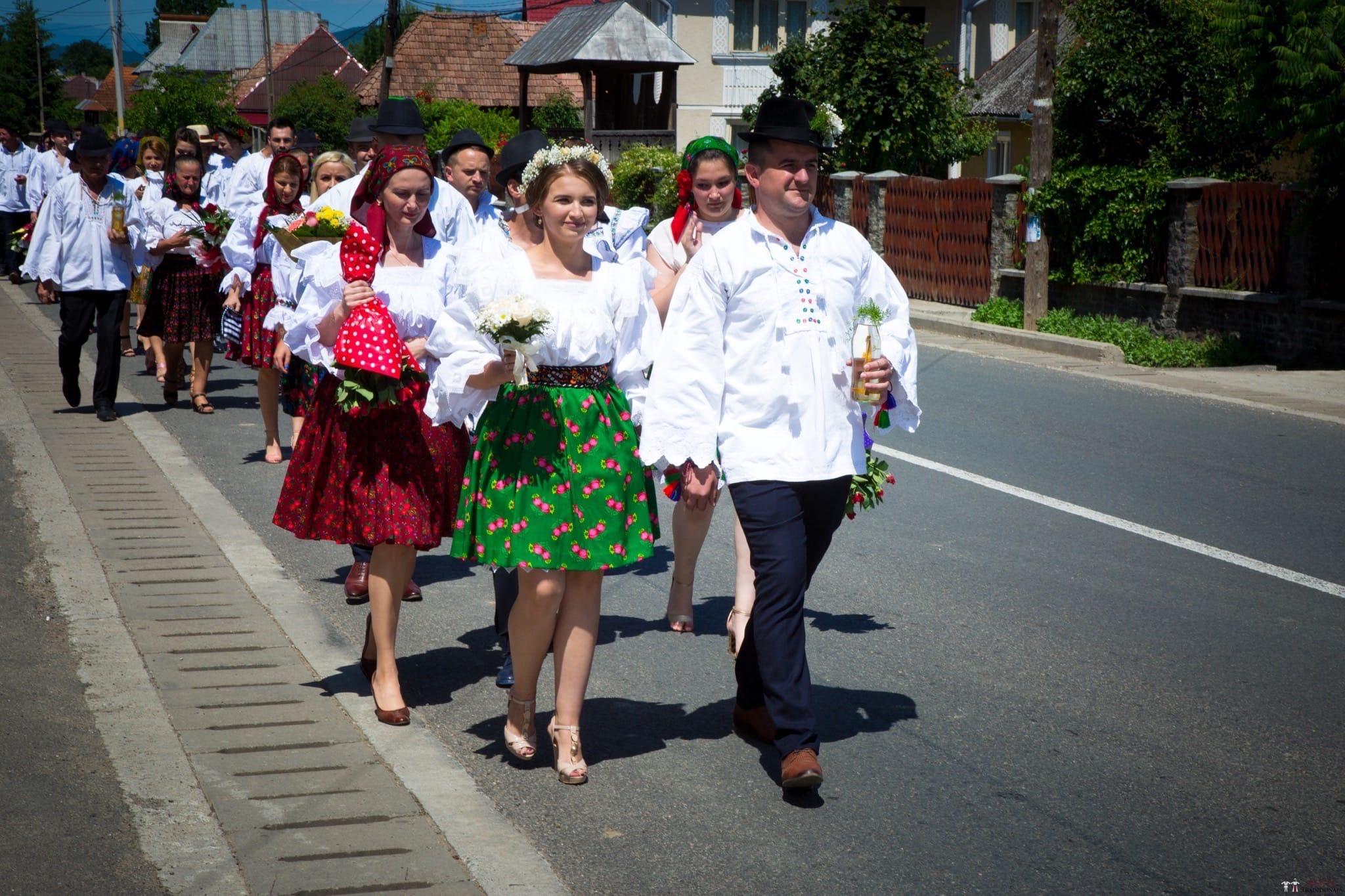 Povești Nunți Tradiționale - Ancuța și Nicu, cununie tradițională în Giulești, Maramureș 17