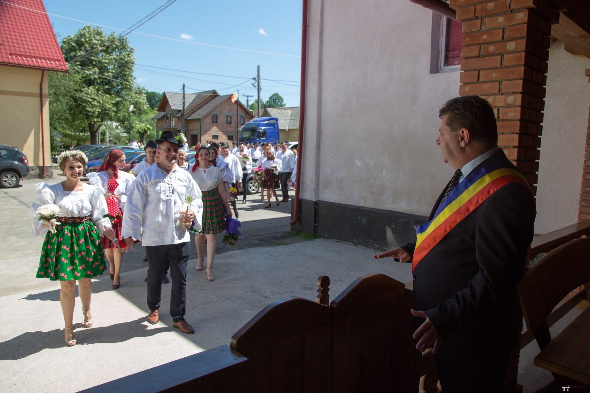 Povești Nunți Tradiționale - Ancuța și Nicu, cununie tradițională în Giulești, Maramureș 18