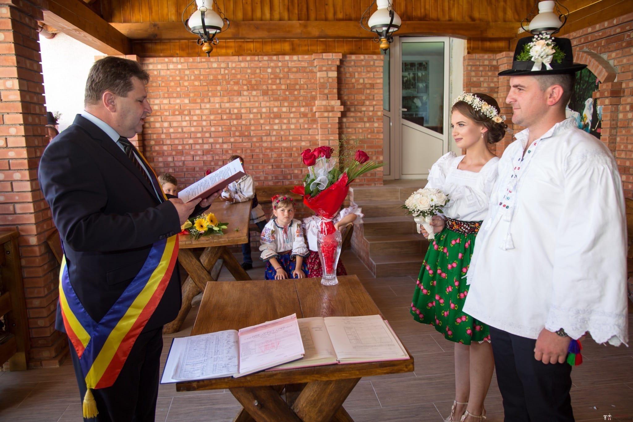 Povești Nunți Tradiționale - Ancuța și Nicu, cununie tradițională în Giulești, Maramureș 19