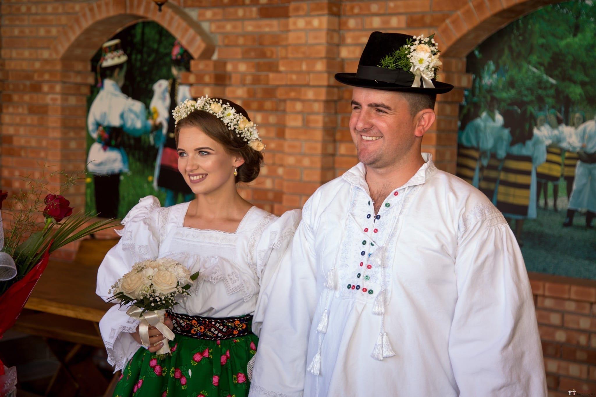 Povești Nunți Tradiționale - Ancuța și Nicu, cununie tradițională în Giulești, Maramureș 20