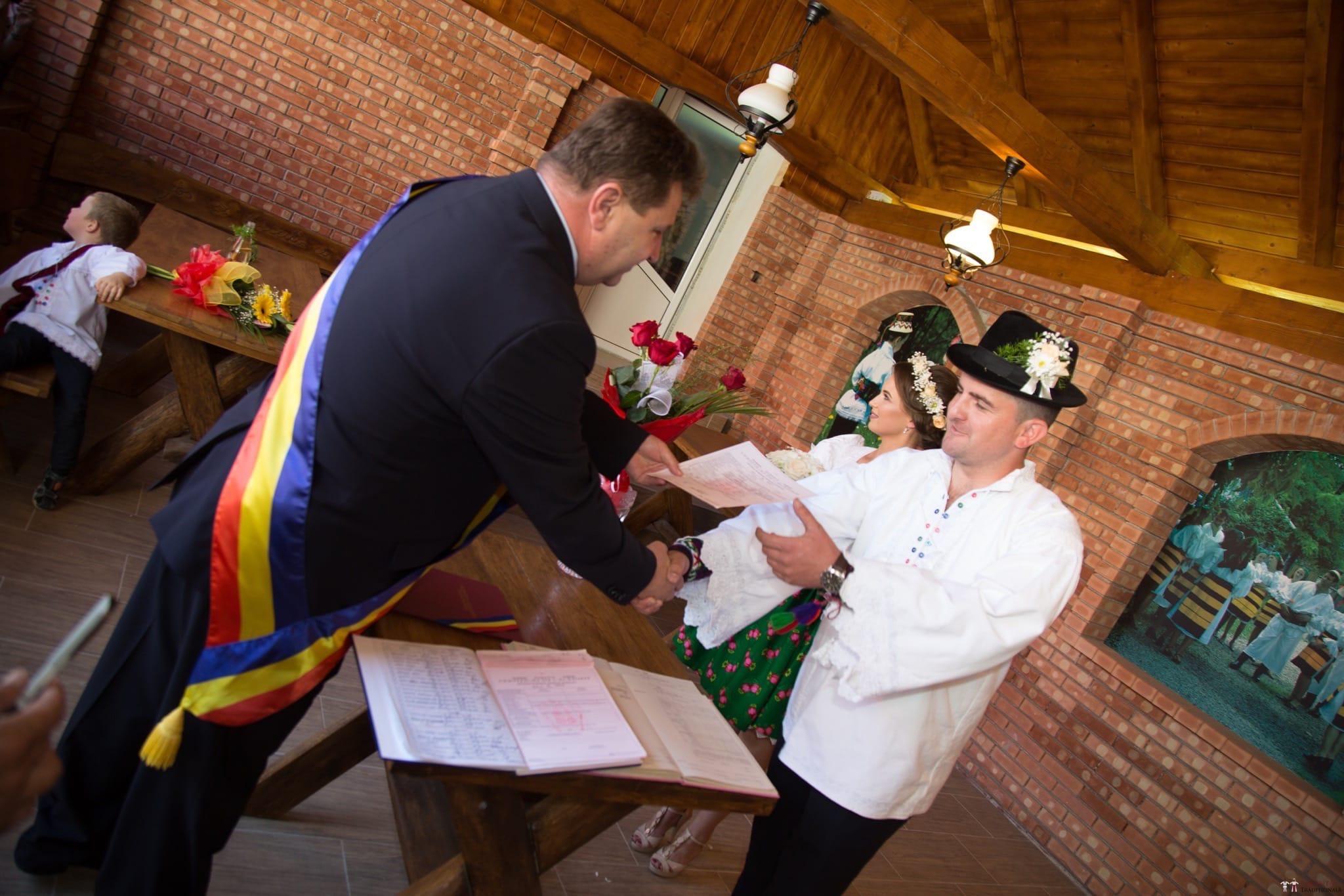 Povești Nunți Tradiționale - Ancuța și Nicu, cununie tradițională în Giulești, Maramureș 21