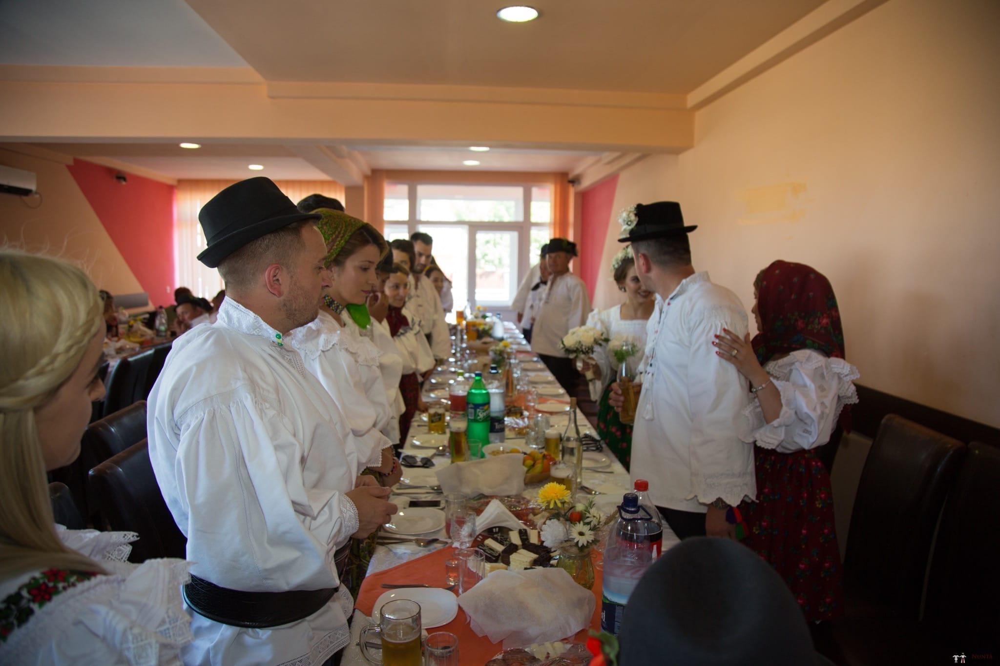 Povești Nunți Tradiționale - Ancuța și Nicu, cununie tradițională în Giulești, Maramureș 39