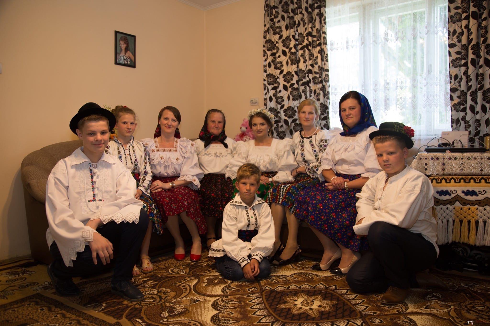 Povești Nunți Tradiționale - Ancuța și Nicu, cununie tradițională în Giulești, Maramureș 5