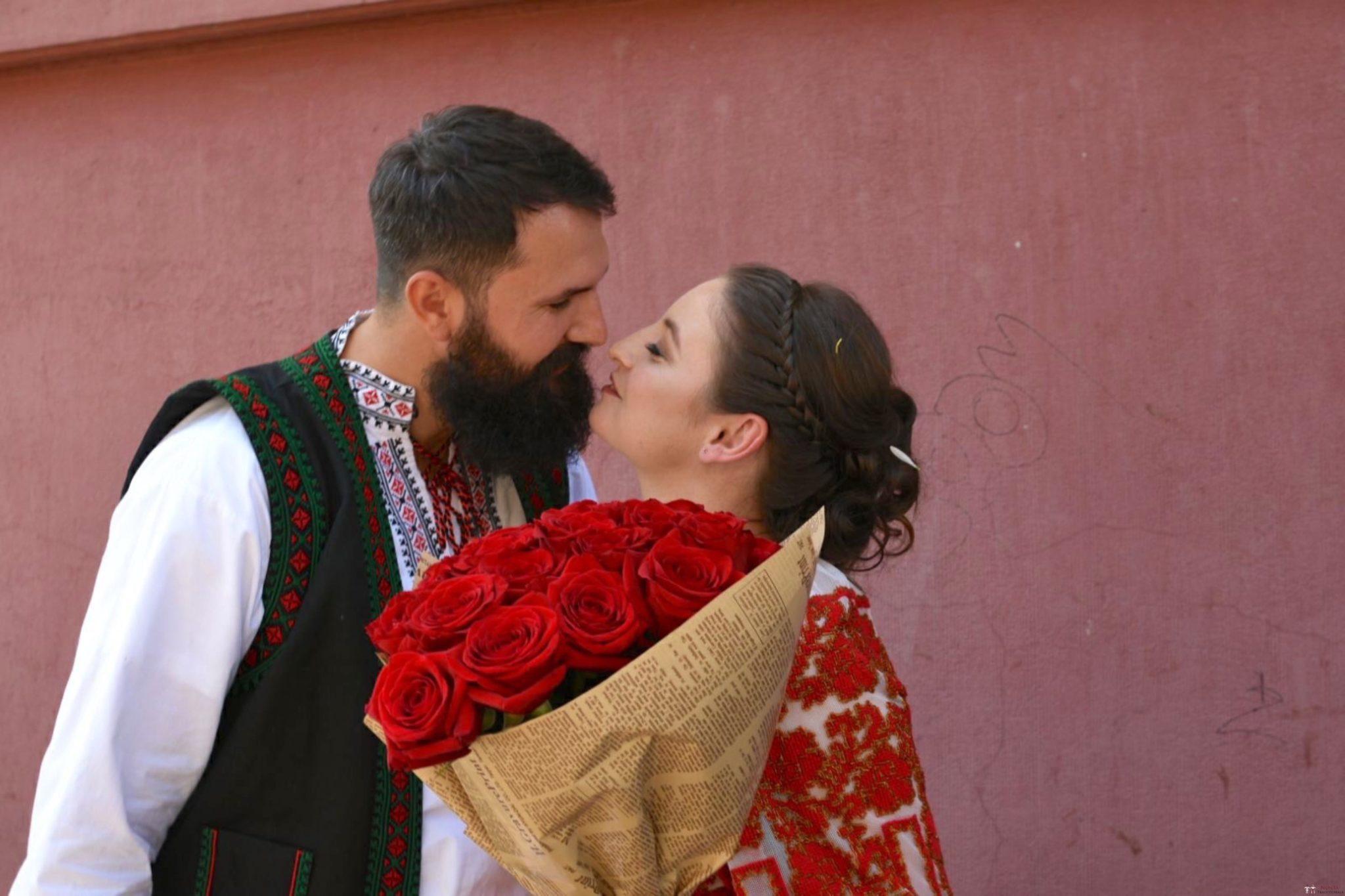 Povești Nunți Tradiționale - George Gabriel și Alexandra Buzatu, nuntă tradițională în Strejnicu, Prahova 11