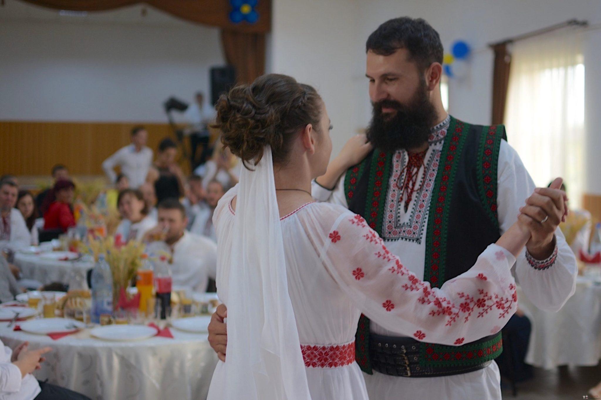 Povești Nunți Tradiționale - George Gabriel și Alexandra Buzatu, nuntă tradițională în Strejnicu, Prahova 18