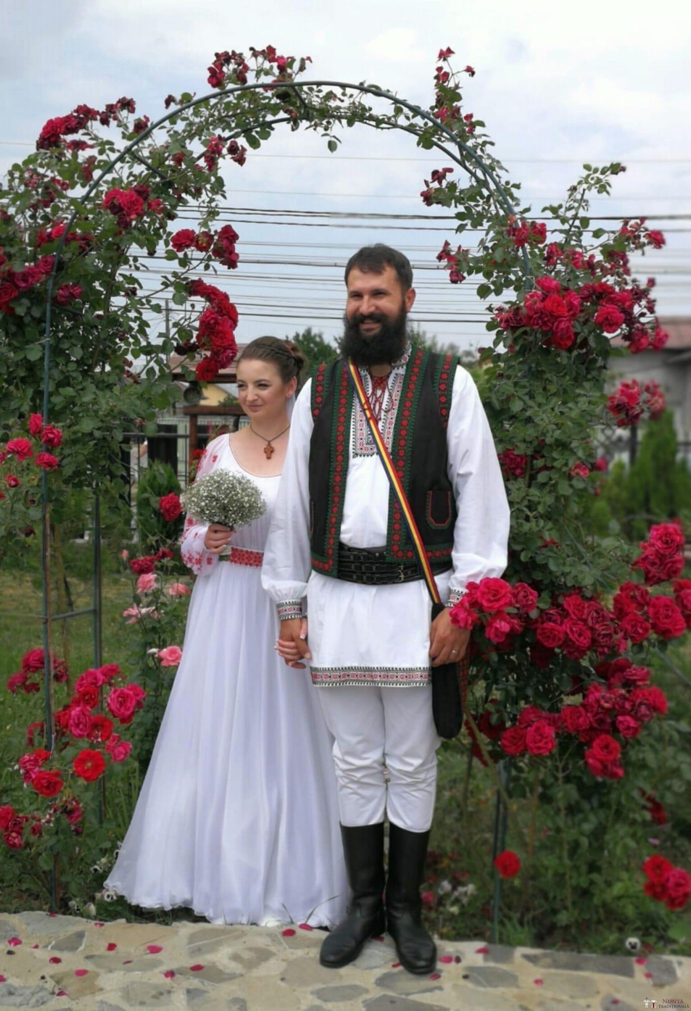 Povești Nunți Tradiționale - George Gabriel și Alexandra Buzatu, nuntă tradițională în Strejnicu, Prahova 1