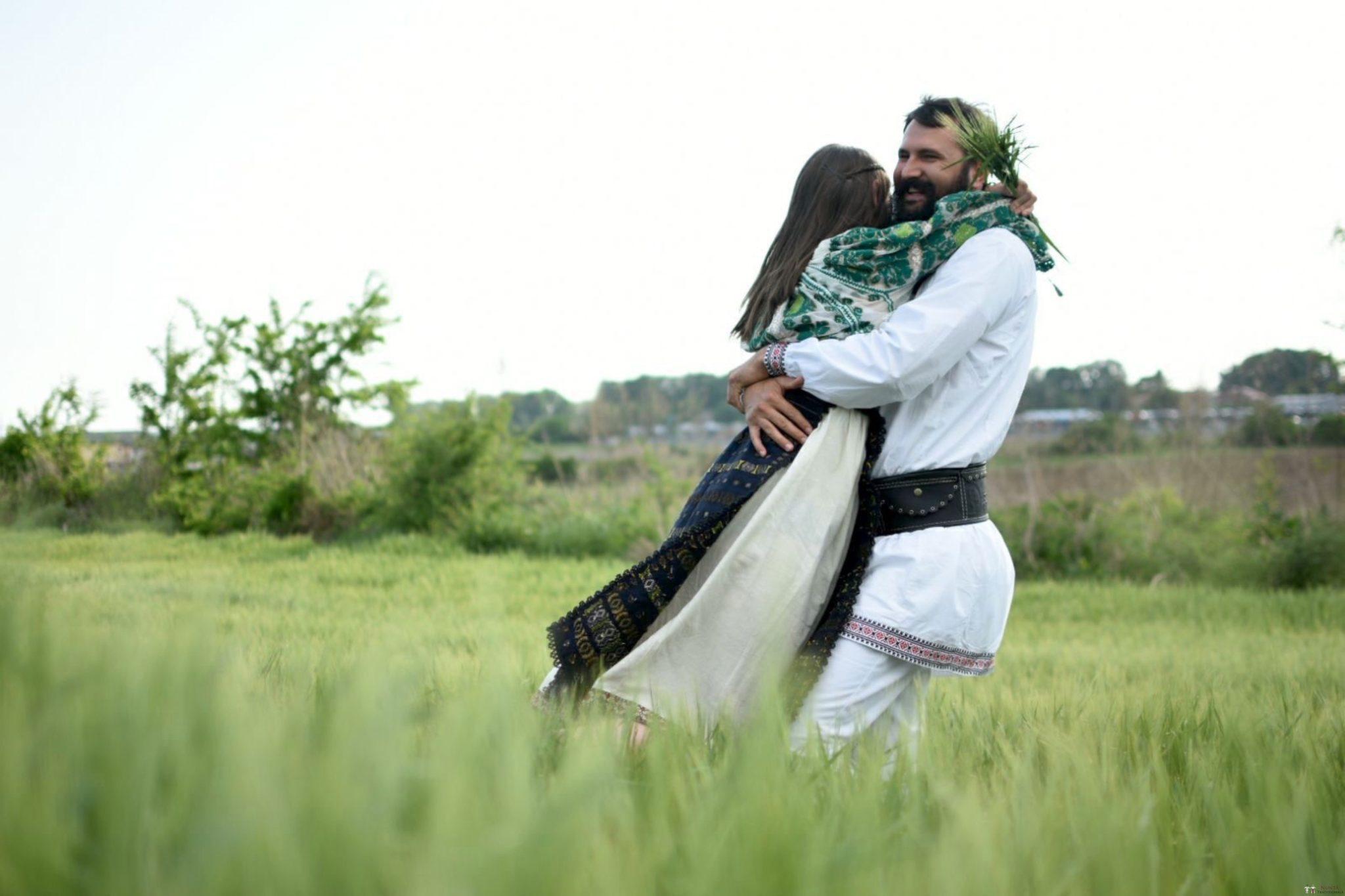 Povești Nunți Tradiționale - George Gabriel și Alexandra Buzatu, nuntă tradițională în Strejnicu, Prahova 20