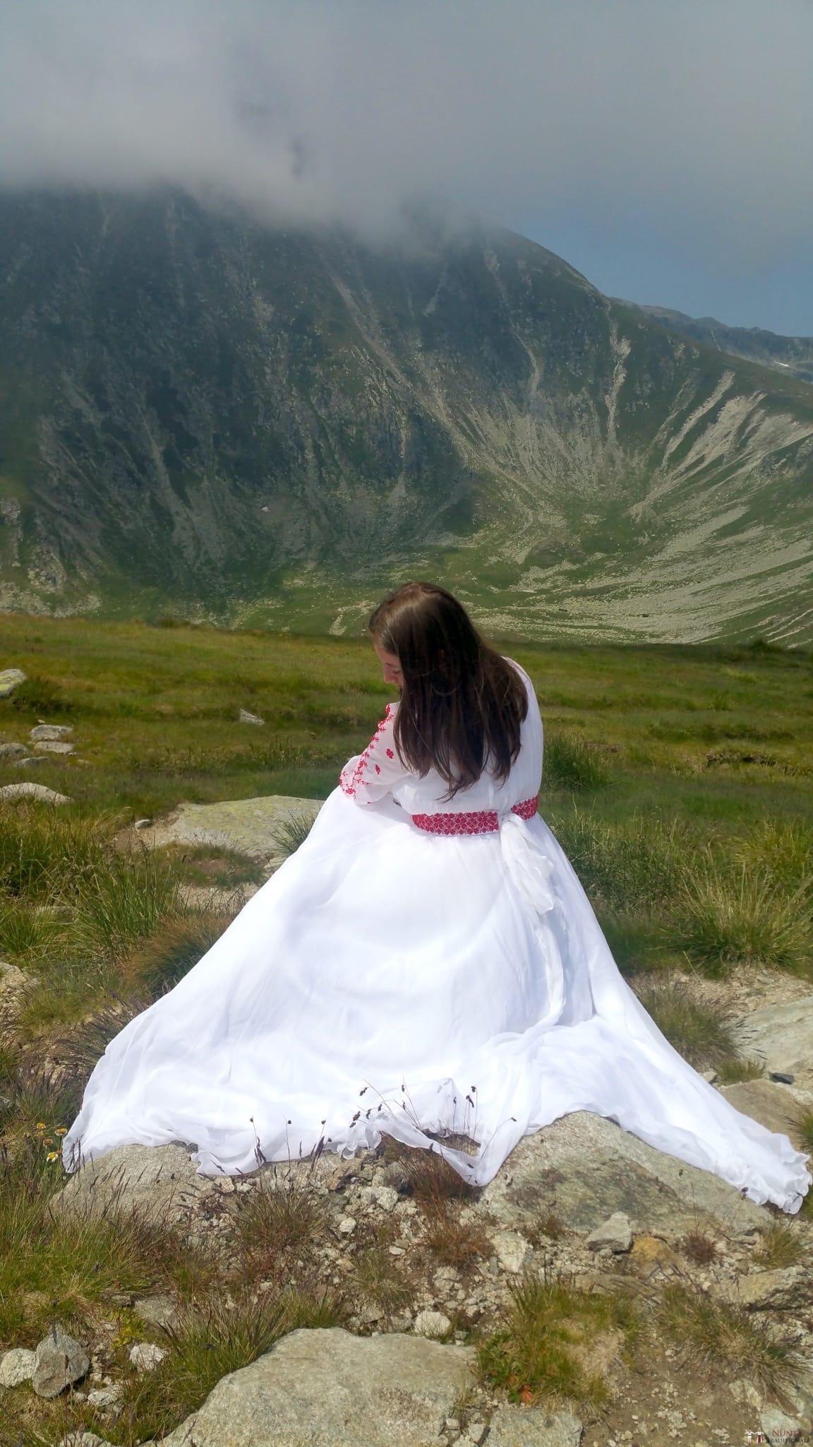 Povești Nunți Tradiționale - George Gabriel și Alexandra Buzatu, nuntă tradițională în Strejnicu, Prahova 4