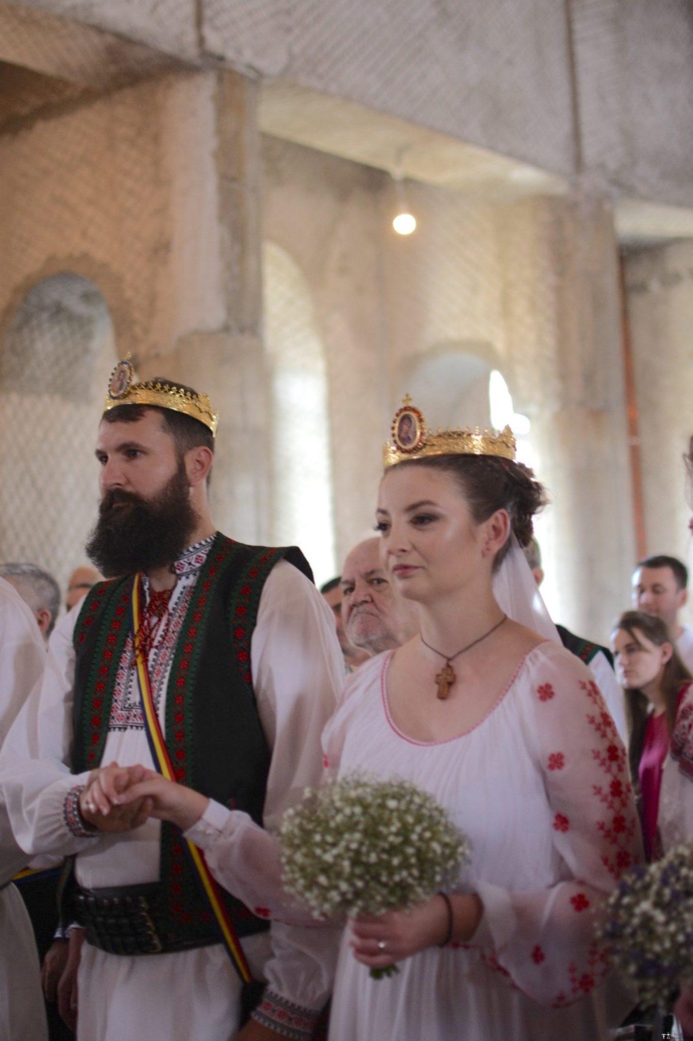 Povești Nunți Tradiționale - George Gabriel și Alexandra Buzatu, nuntă tradițională în Strejnicu, Prahova 8
