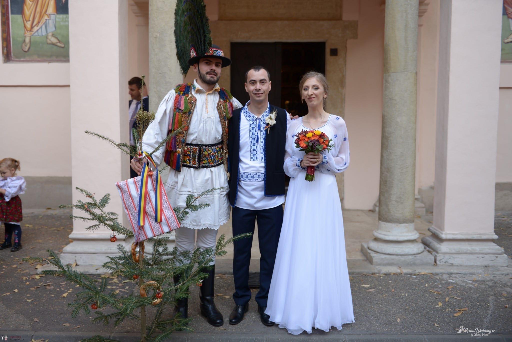 Povești Nunți Tradiționale - Alina-Maria și Ilie, nuntă tradițională în București 17