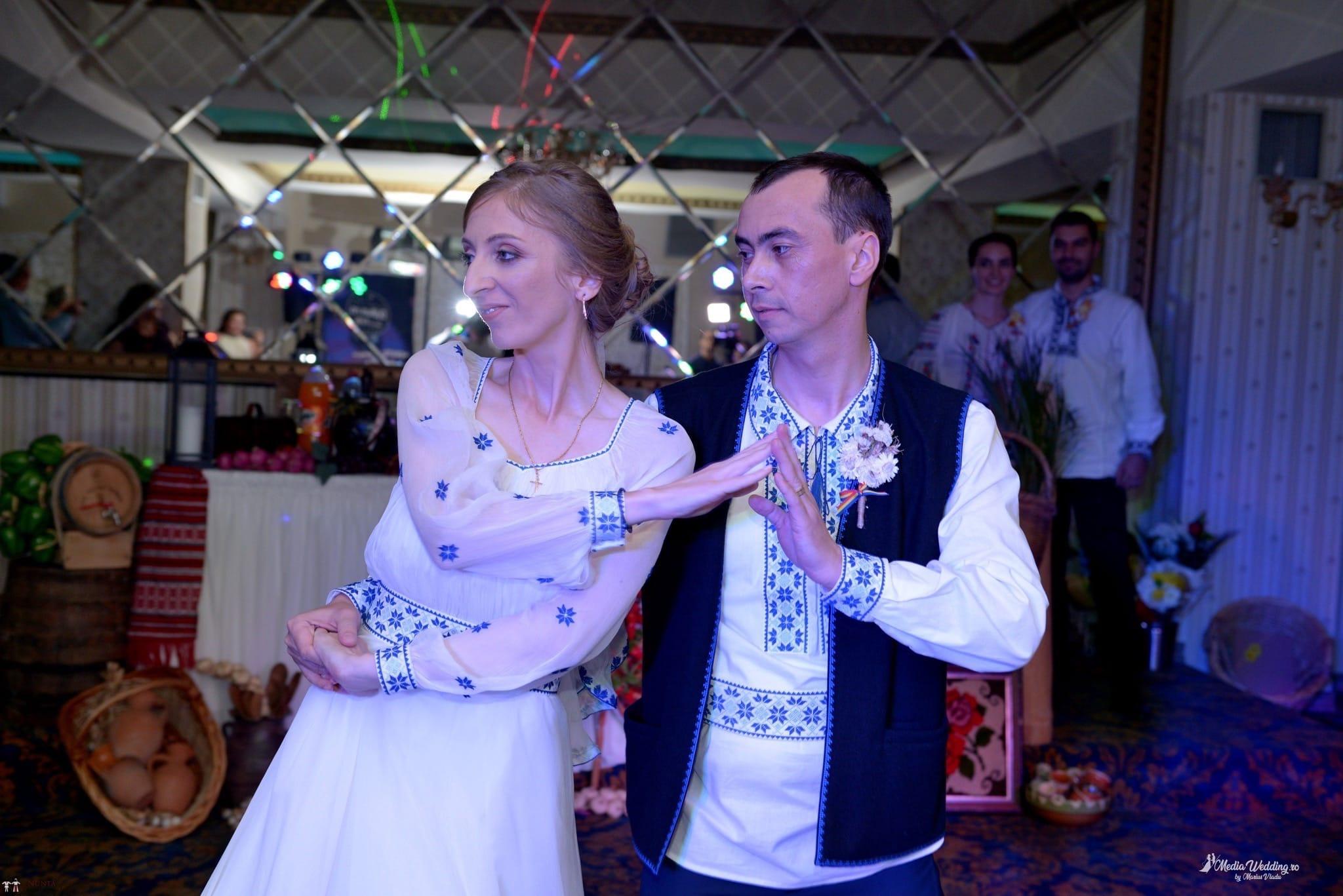 Povești Nunți Tradiționale - Alina-Maria și Ilie, nuntă tradițională în București 36
