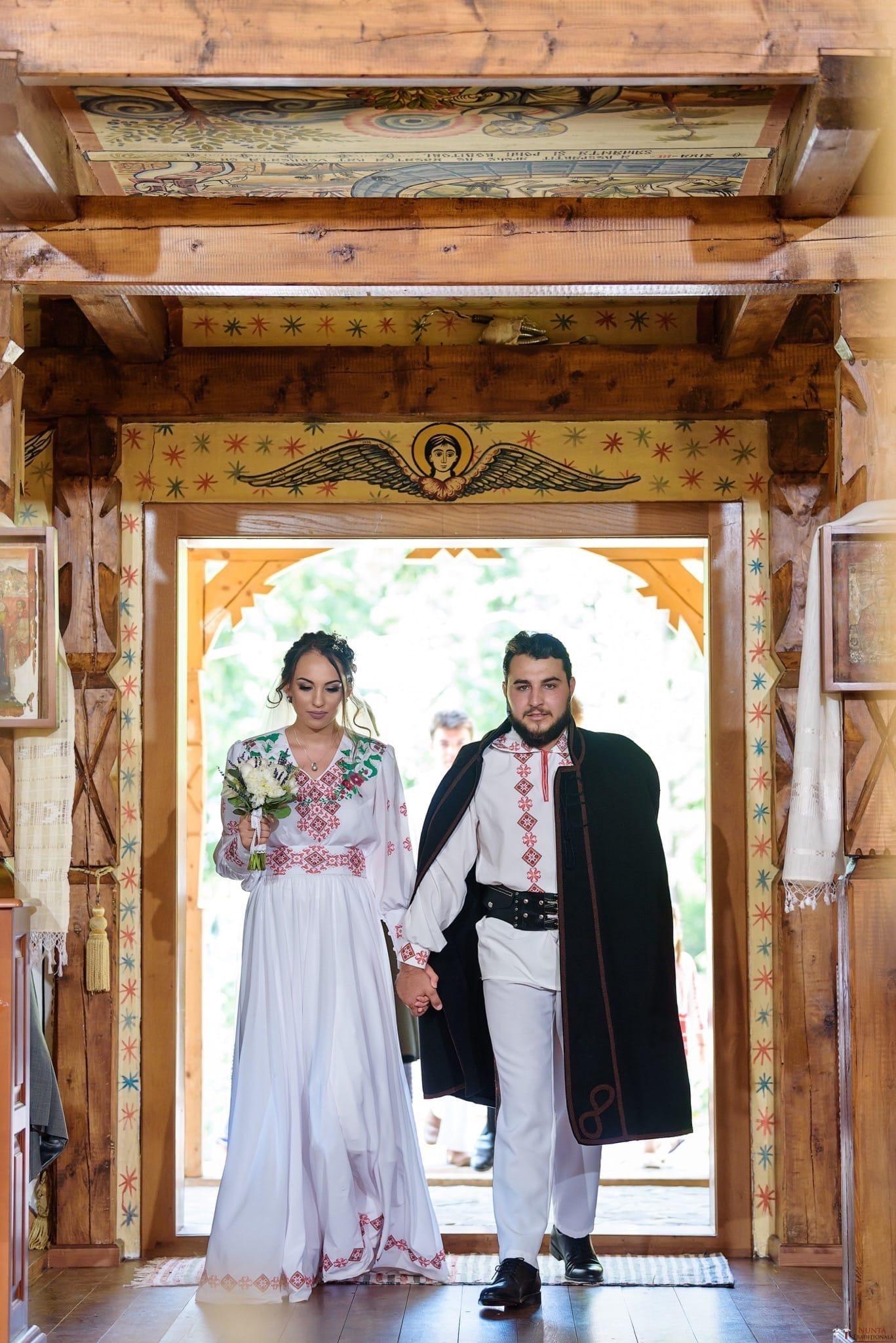 Povești Nunți Tradiționale - Daniela și Cristian, nuntă tradițională în Slobozia, Giurgiu 12