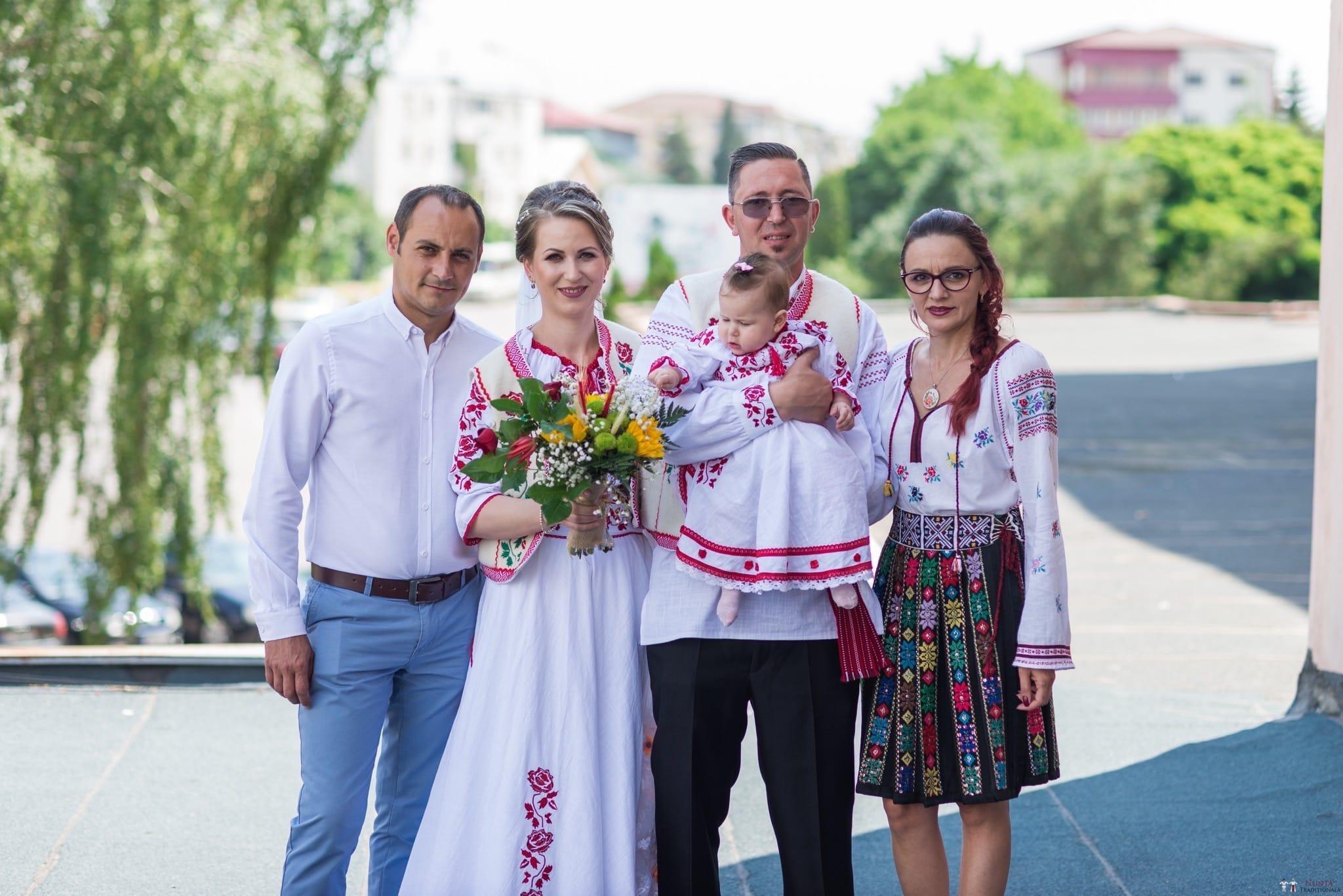 Povești Nunți Tradiționale - Anamaria și Ionuț-Mihai, nuntă în Târgu Ocna 12