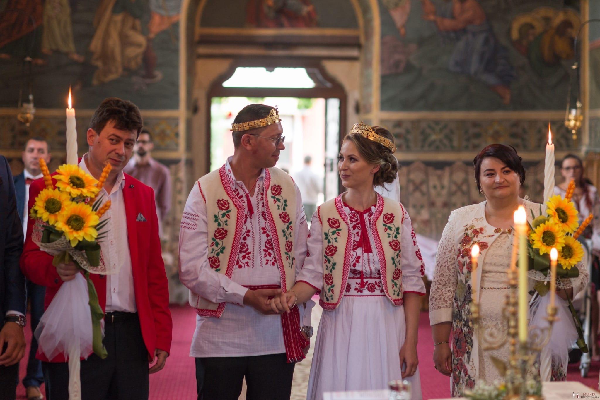 Povești Nunți Tradiționale - Anamaria și Ionuț-Mihai, nuntă în Târgu Ocna 13