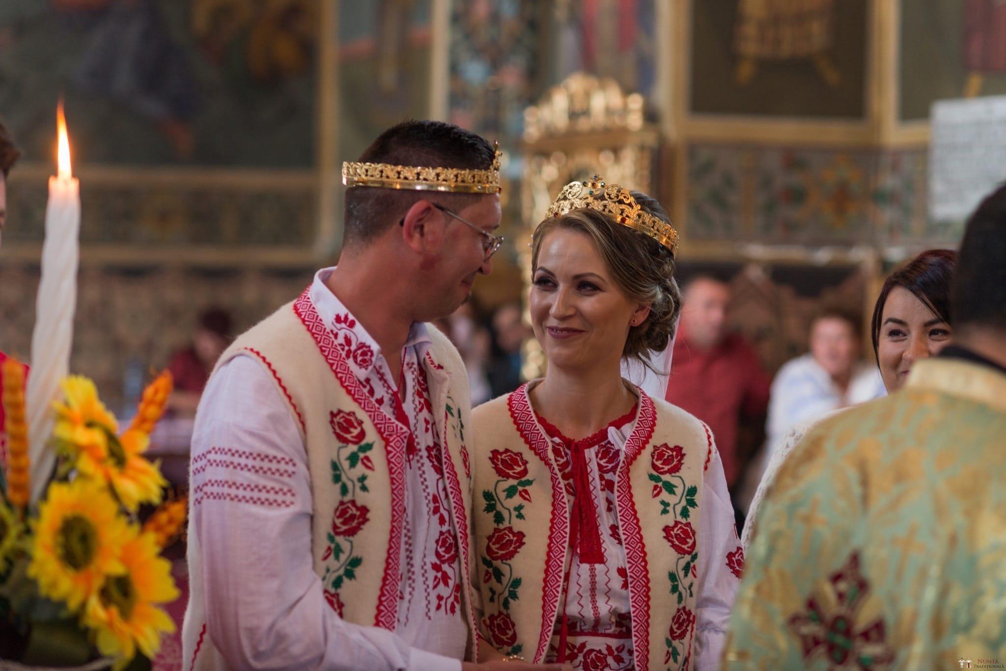 Povești Nunți Tradiționale - Anamaria și Ionuț-Mihai, nuntă în Târgu Ocna 14