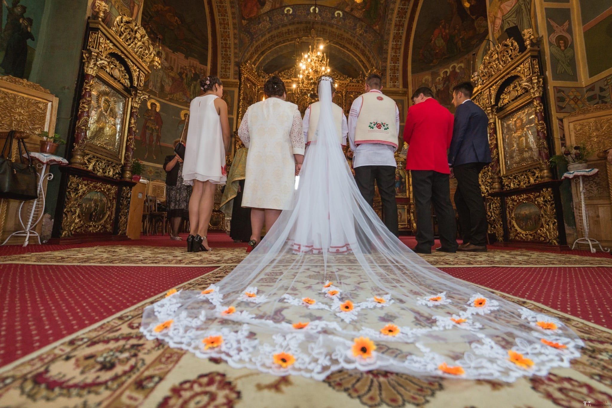 Povești Nunți Tradiționale - Anamaria și Ionuț-Mihai, nuntă în Târgu Ocna 16