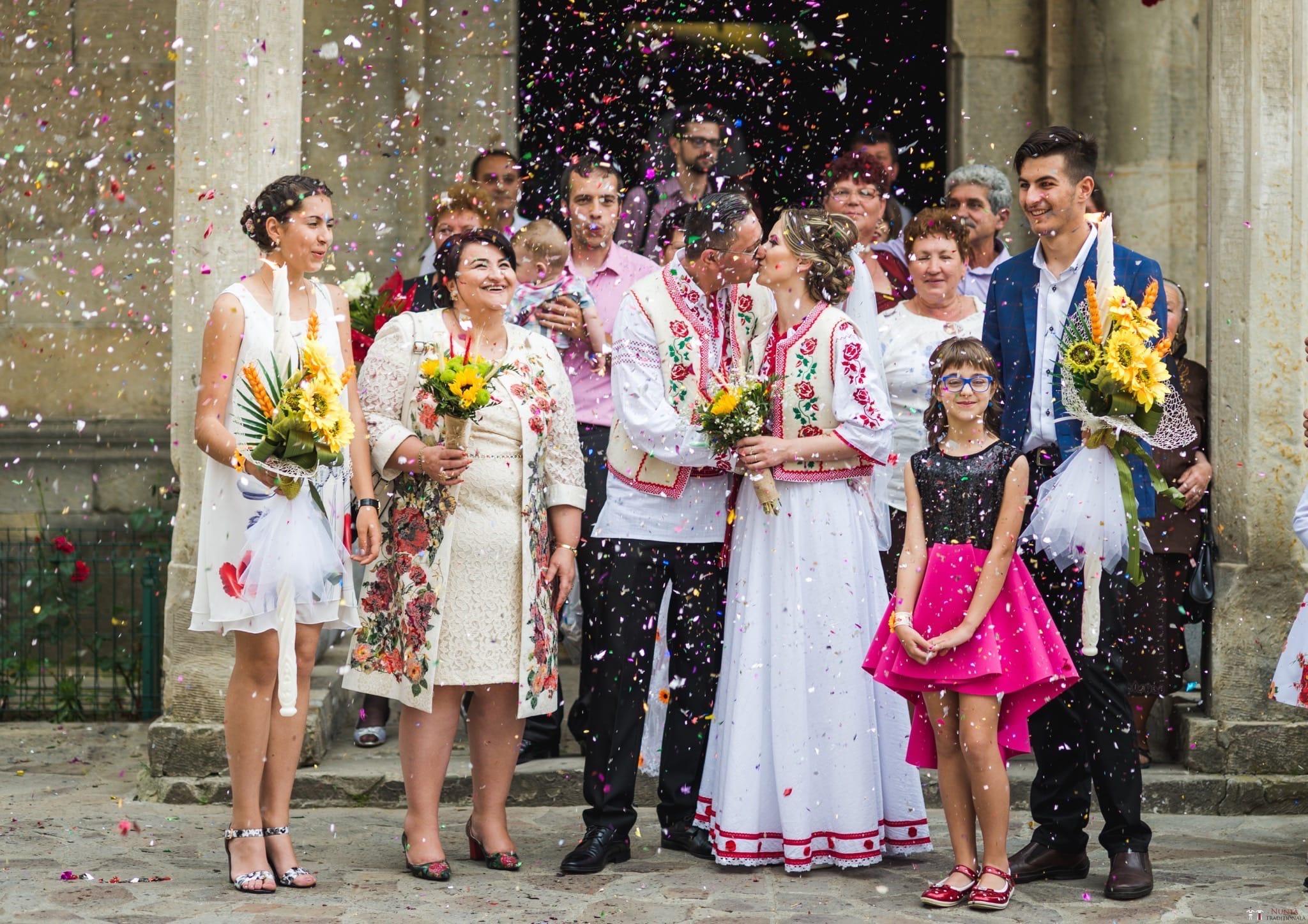 Povești Nunți Tradiționale - Anamaria și Ionuț-Mihai, nuntă în Târgu Ocna 17