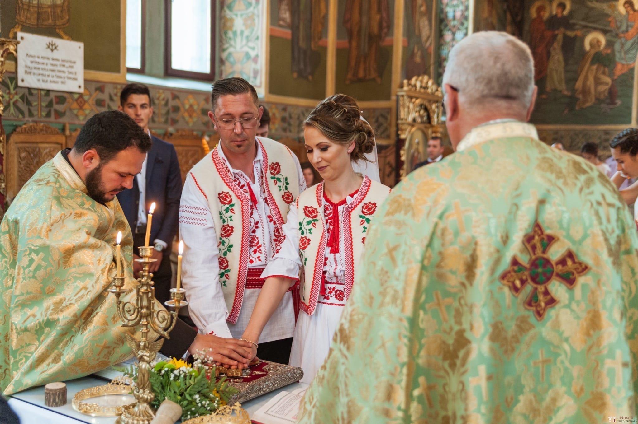 Povești Nunți Tradiționale - Anamaria și Ionuț-Mihai, nuntă în Târgu Ocna 19